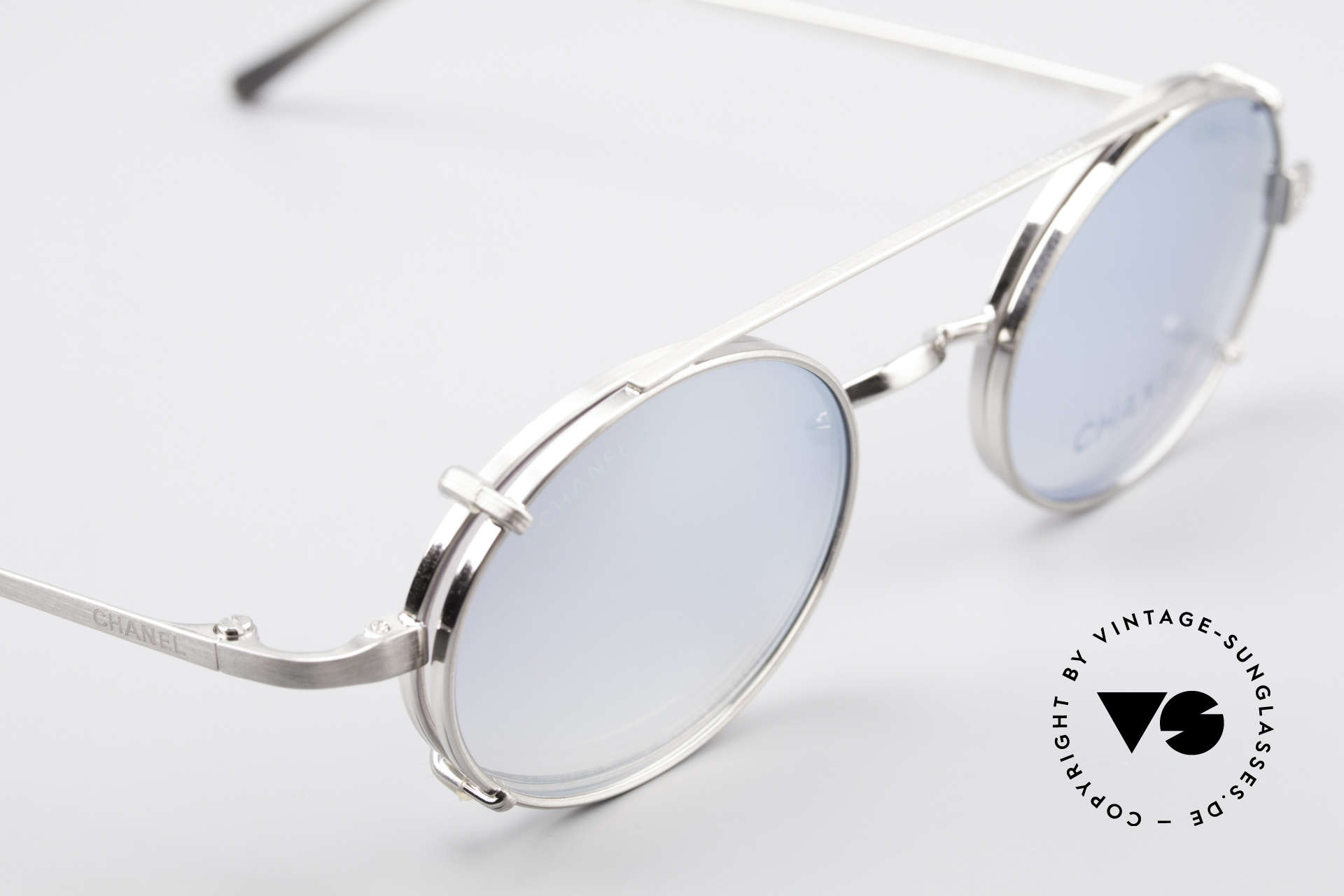 Chanel 2037 Oval Luxury Glasses Clip On, unworn designer shades (incl. original case by Chanel), Made for Men and Women