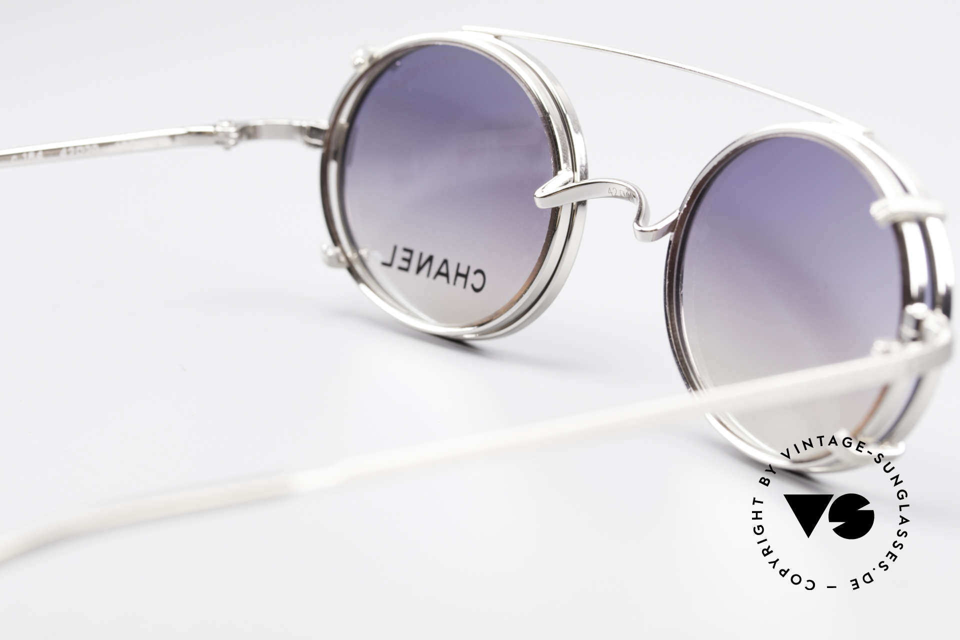 Chanel 2037 Oval Luxury Glasses Clip On, NO RETRO fashion, but a 20 years old vintage Original, Made for Men and Women