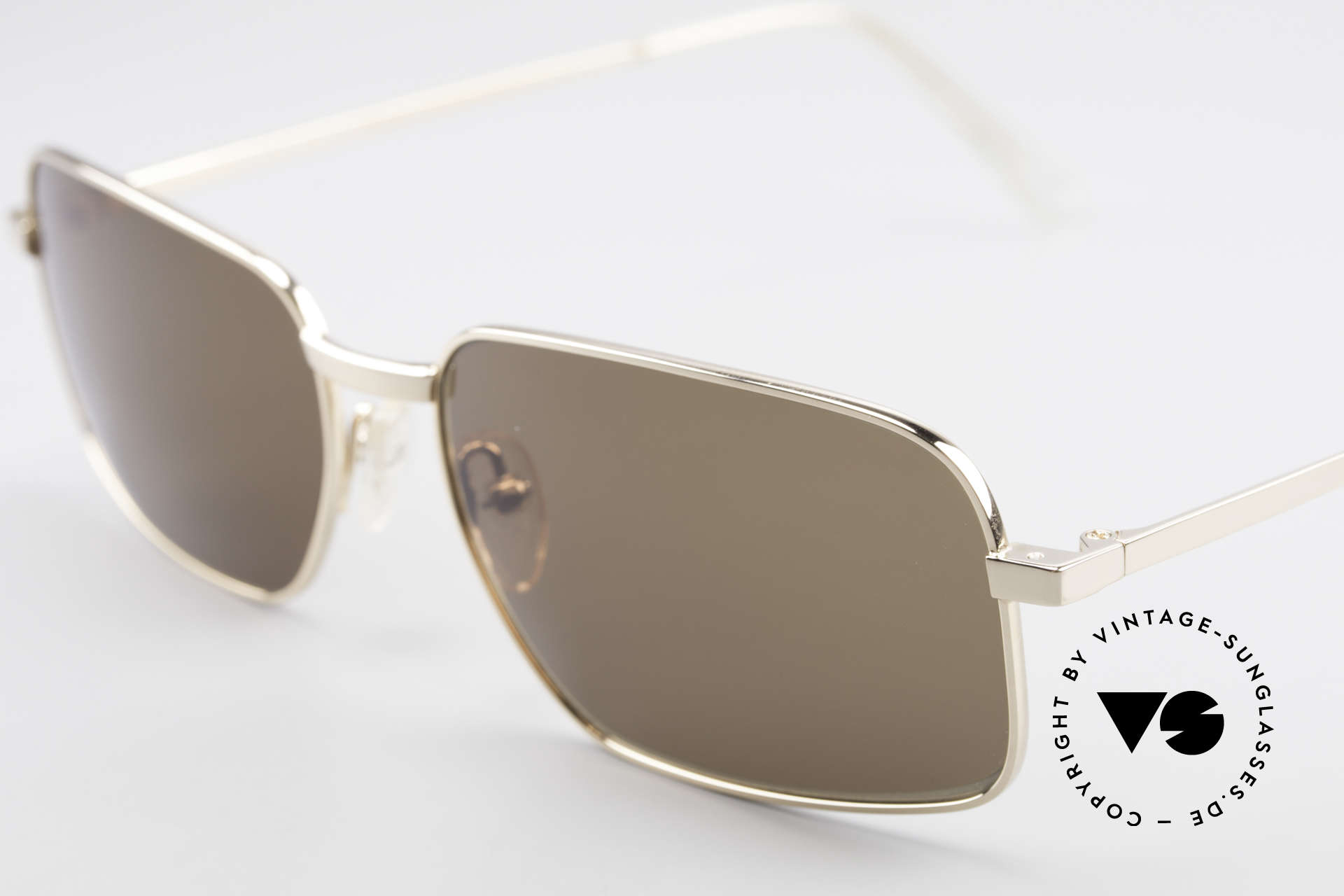 Helmut Lang SHL62A Stylish Titanium Sunglasses, top-notch quality & very pleasant to wear; lightweight, Made for Men