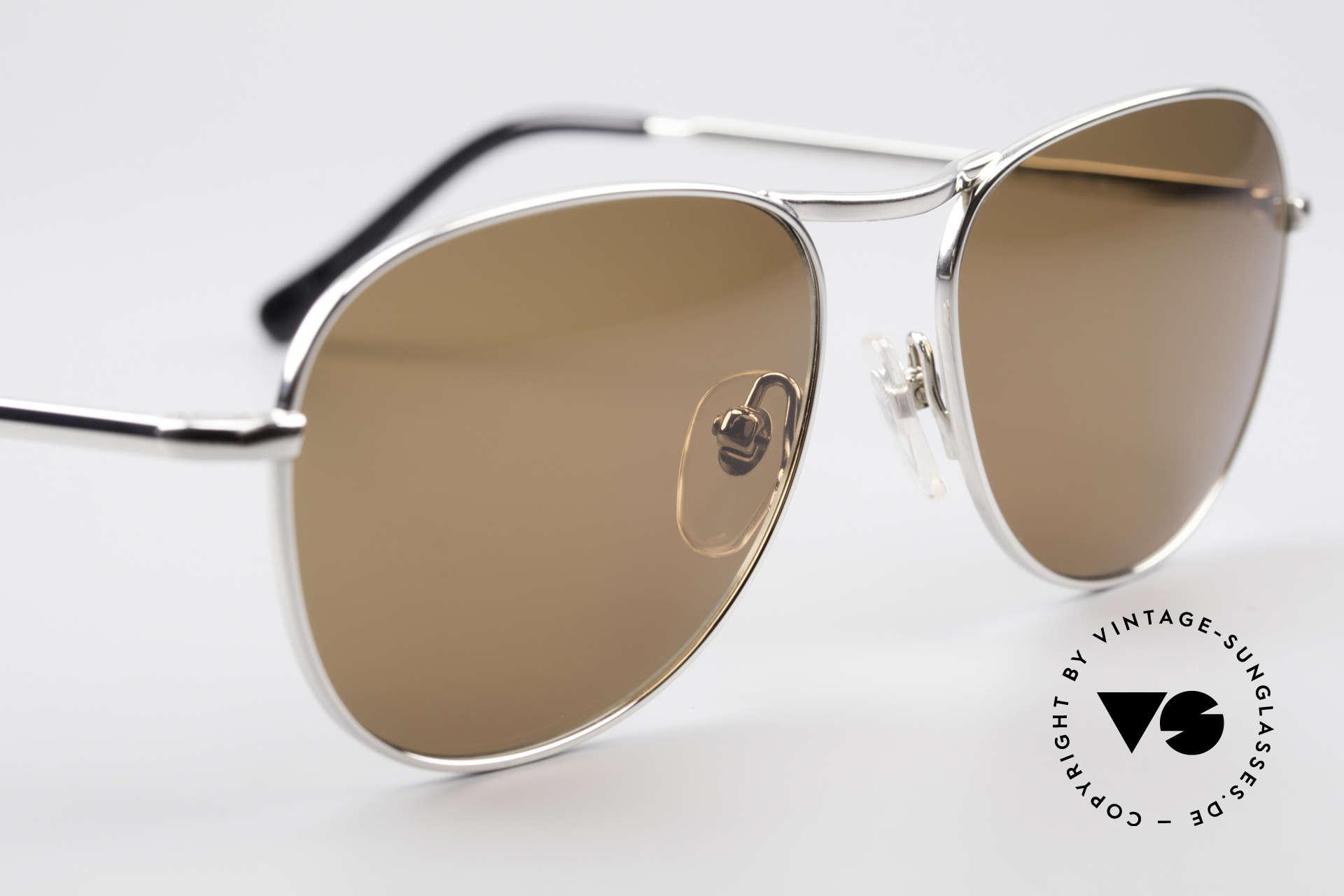 Helmut Lang 21-0006 Titanium Sunglasses Timeless, never worn (like all our vintage HELMUT LANG shades), Made for Men