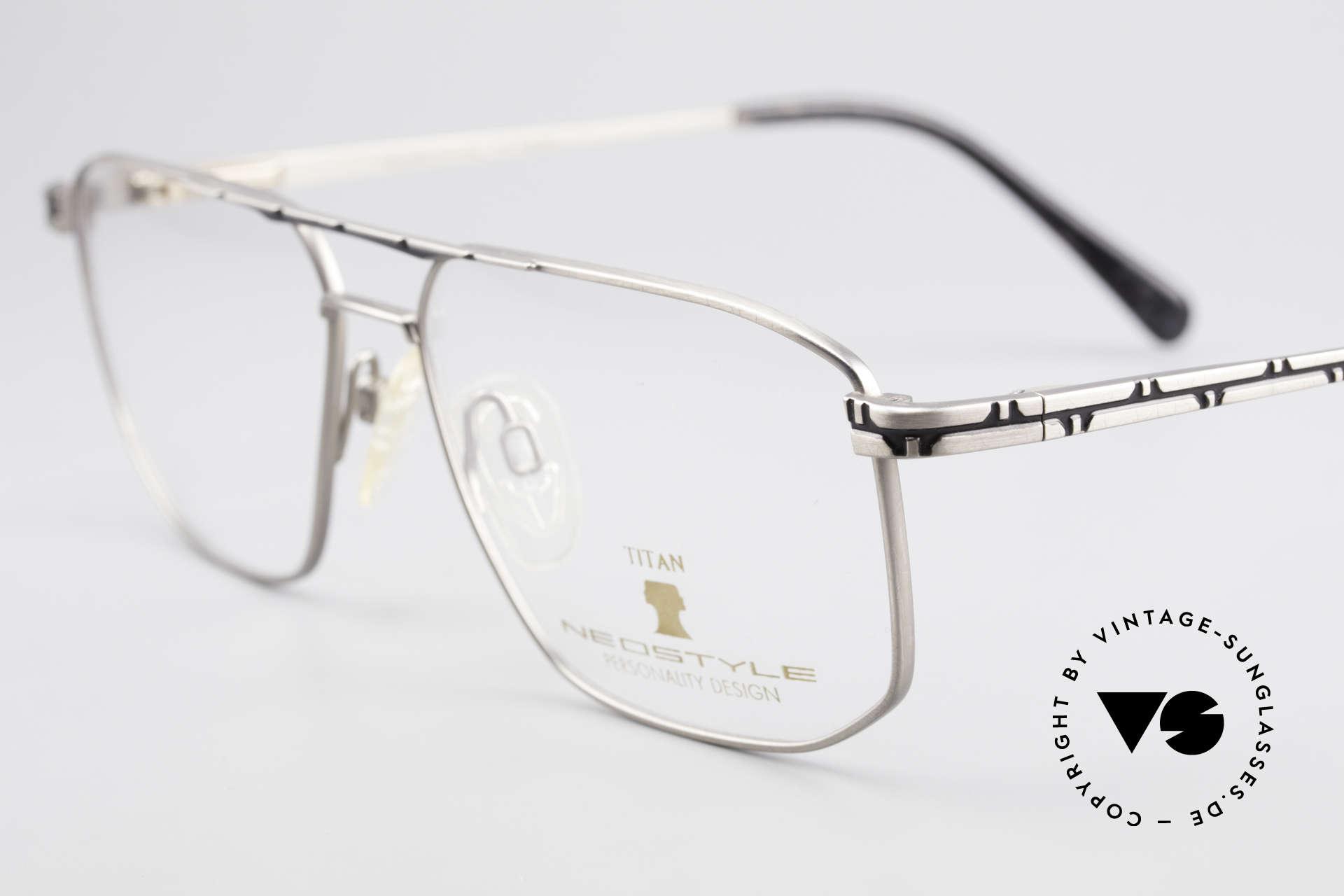 Neostyle Dynasty 362 XL Titanium Eyeglasses Men, never worn (like all our rare vintage eyeglasses), Made for Men