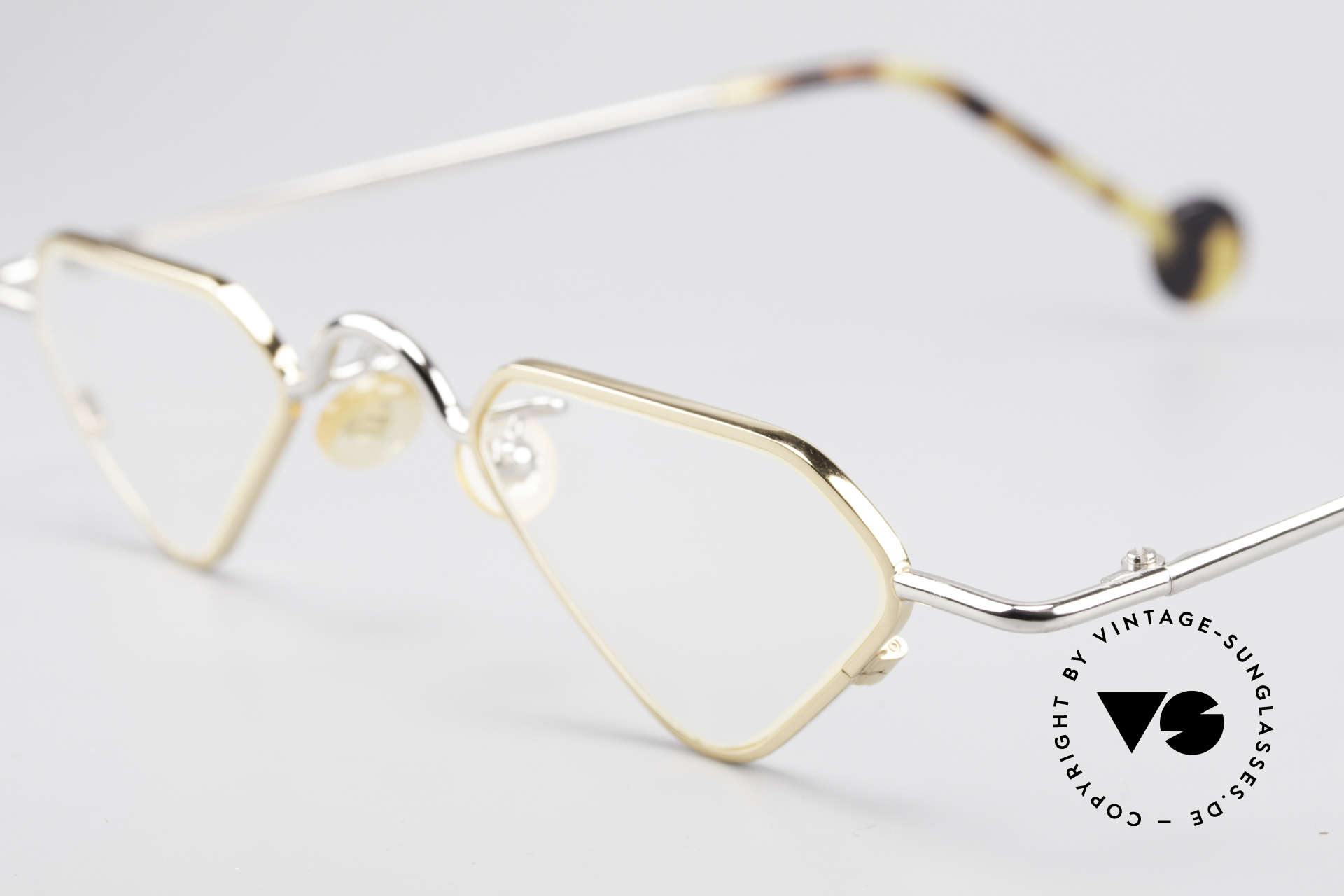 L.A. Eyeworks Millie 451 Reading Glasses Like A Diamond, thus, this terrific model was born in 1995 in Los Angeles, Made for Men and Women