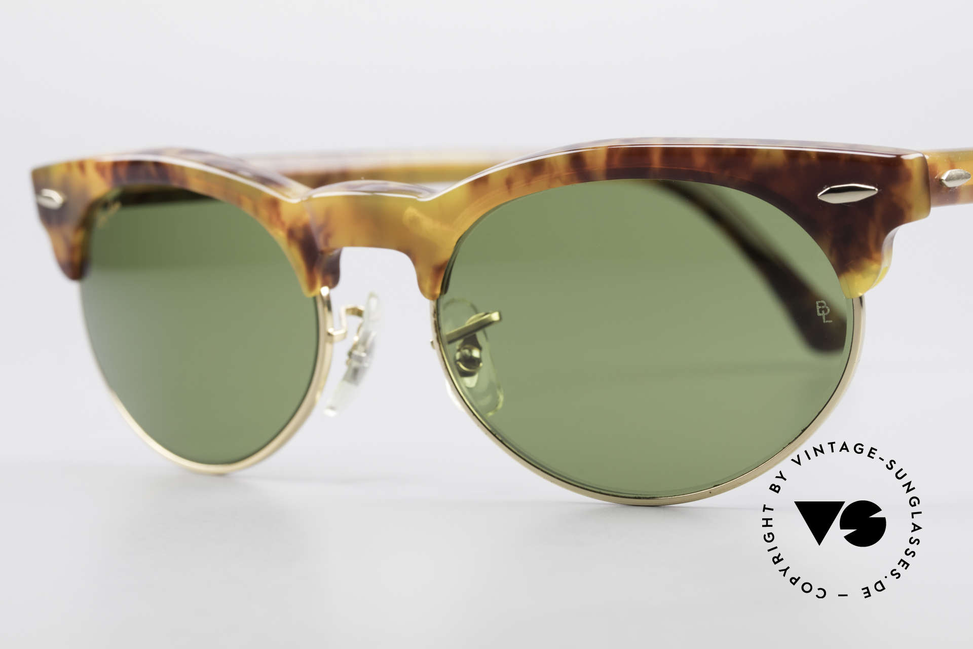 Ray Ban Oval Max 80's Bausch & Lomb Original, never worn (like all our vintage Ray Ban eyewear), Made for Men and Women