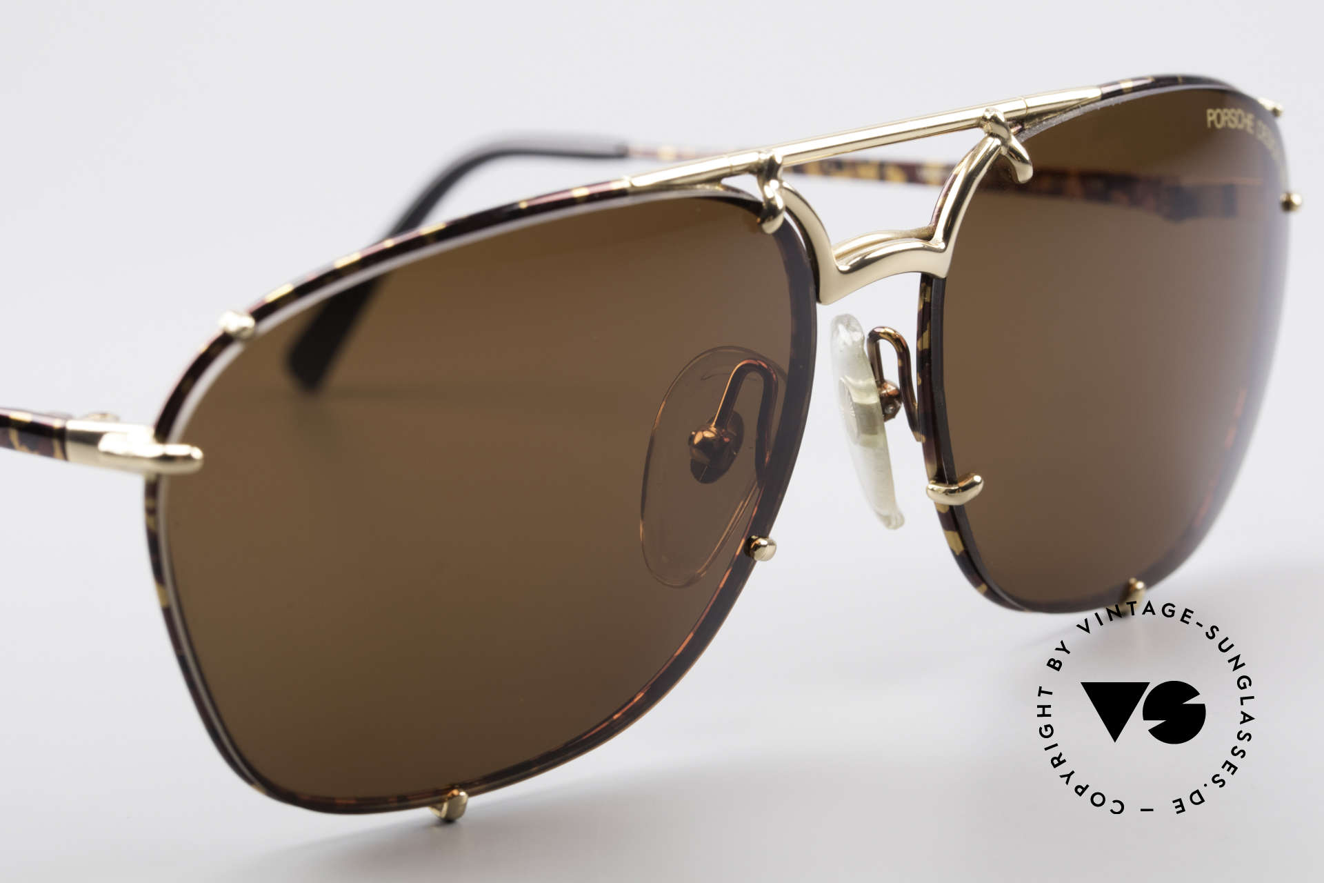 "Porsche 5647 90s Classic Vintage Sunglasses, interesting frame finish in ""chestnut/tortoise-gold"", Made for Men"