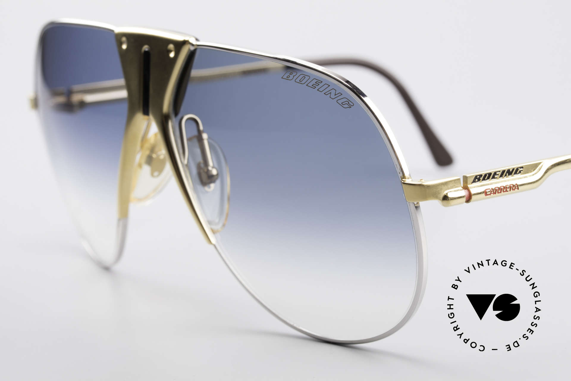 Boeing 5701 Famous 80's Pilots Sunglasses, hybrid between functionality, quality and lifestyle, Made for Men and Women