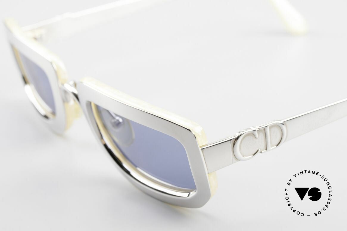 Christian Dior 2972 Designer Shades Silver Nacre, unworn, flawless condition (like all our vintage shades), Made for Women