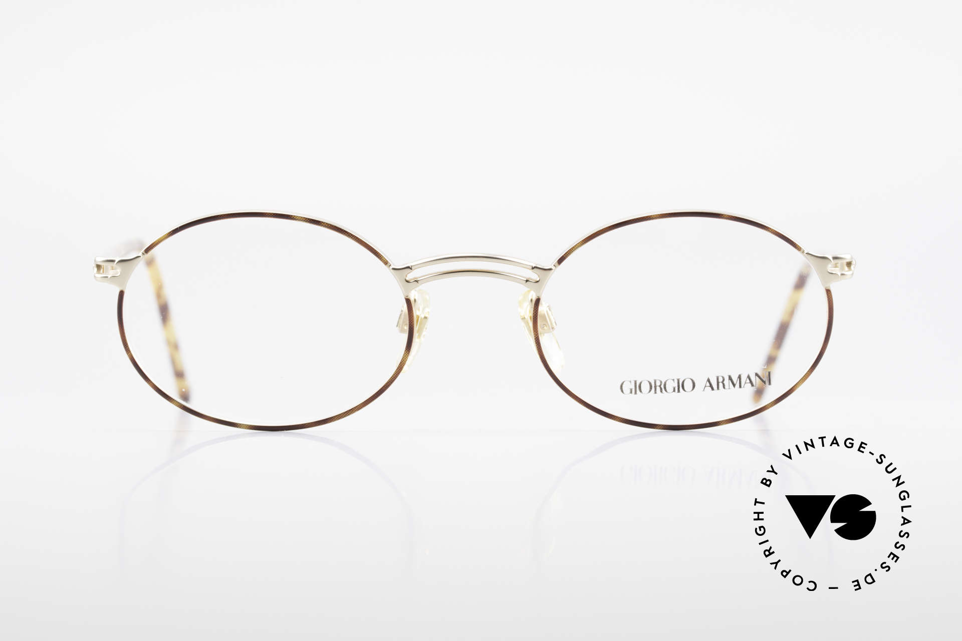 Giorgio Armani 194 Oval 90s Eyeglasses No Retro, classic 'OVAL frame Design' - a real timeless classic, Made for Men and Women