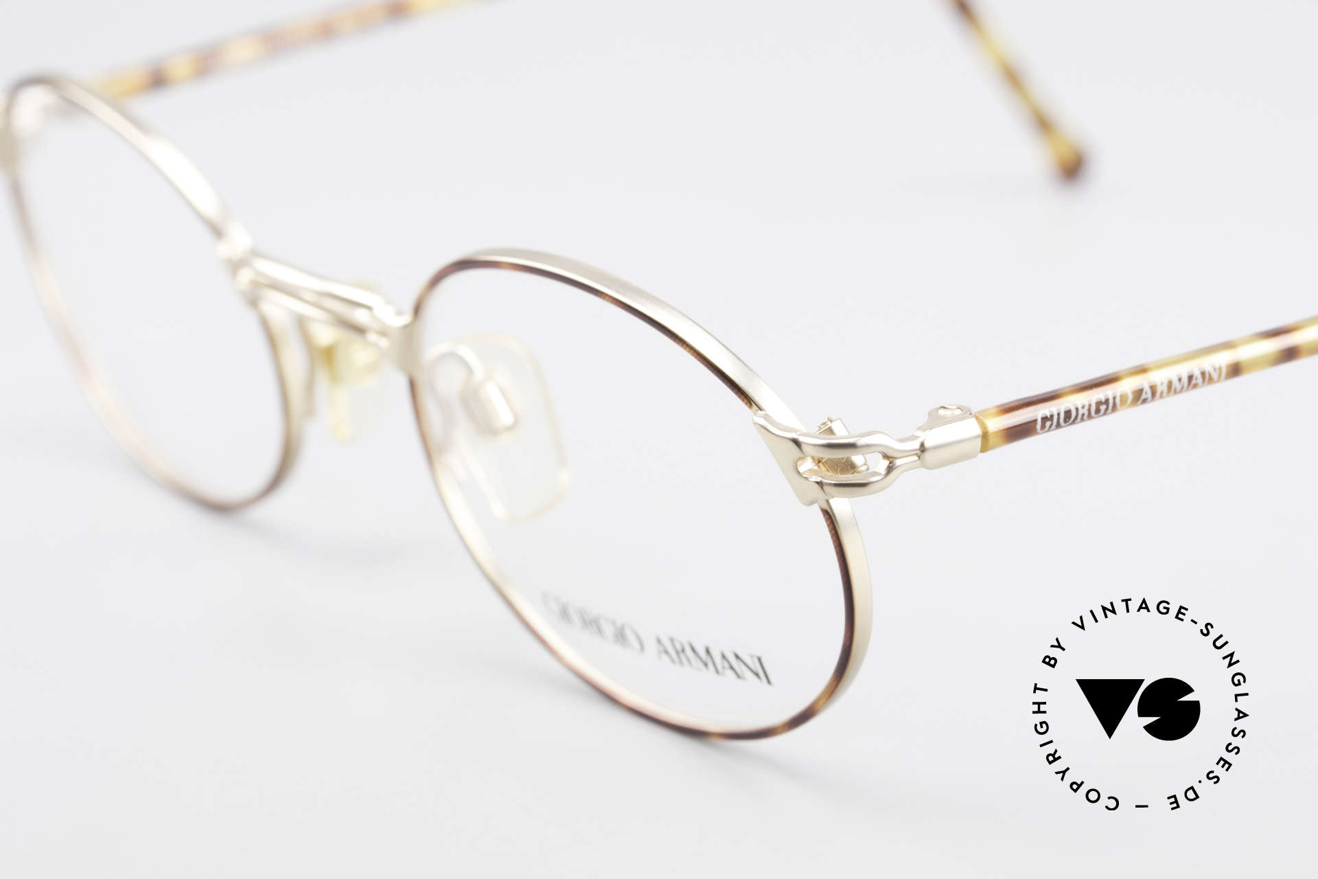 Giorgio Armani 194 Oval 90s Eyeglasses No Retro, unworn rarity (like all our rare vintage GA eyewear), Made for Men and Women