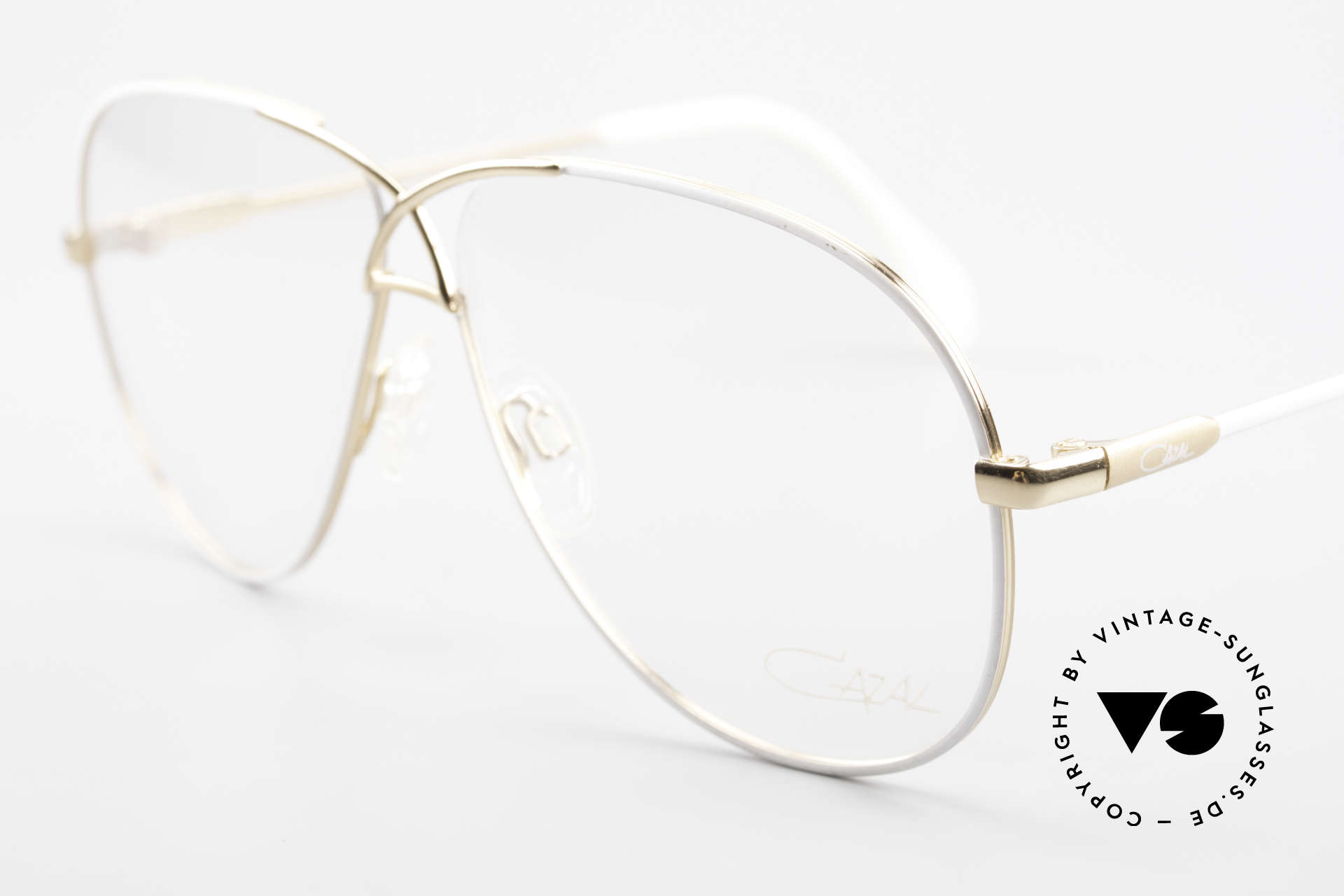 Cazal 728 Aviator Style Vintage Glasses, noble appearance, timeless coloring and great fit, Made for Men and Women