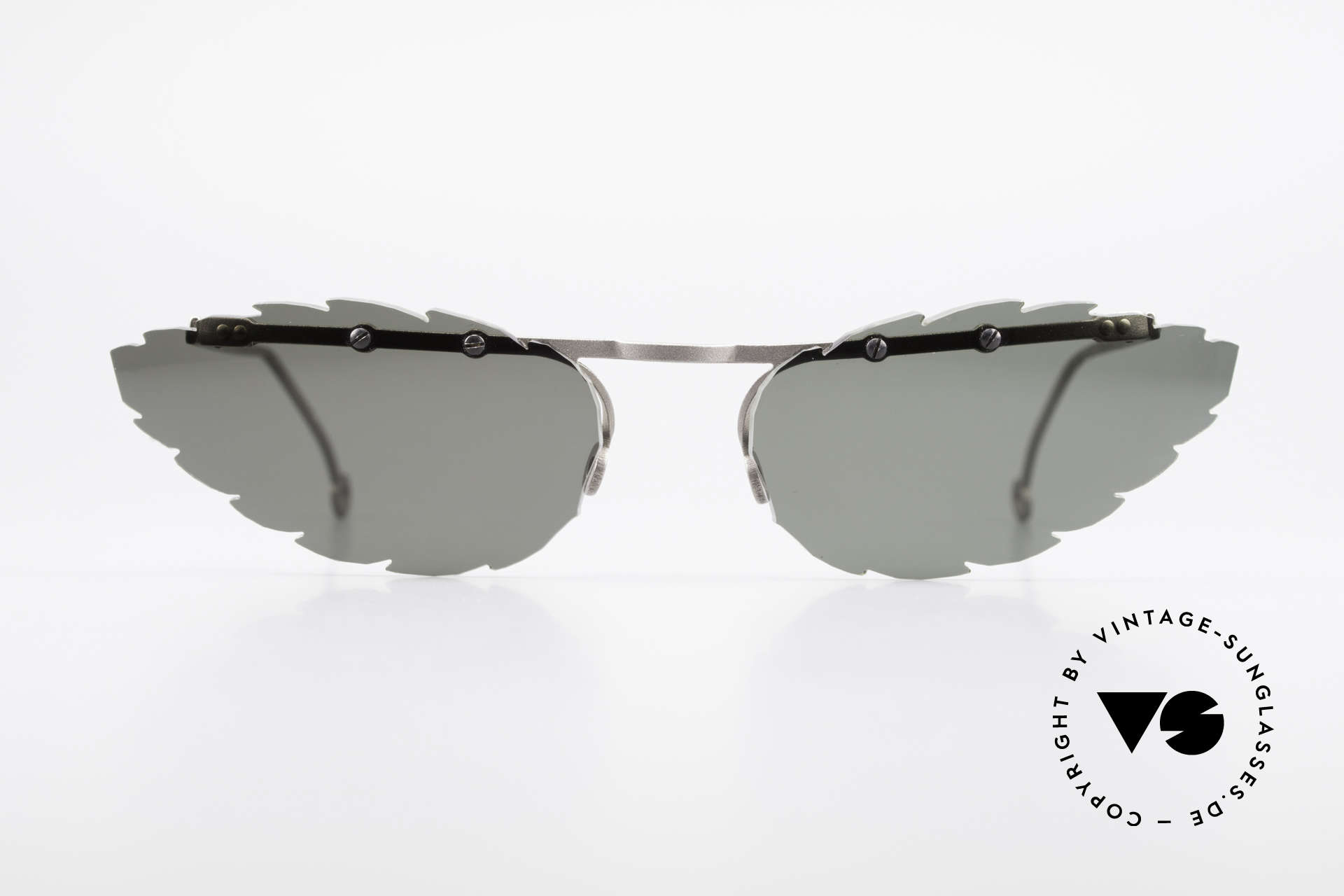 Theo Belgium Asis Lenses shaped like a leaf, founded in 1989 as 'anti mainstream' eyewear / glasses, Made for Men and Women