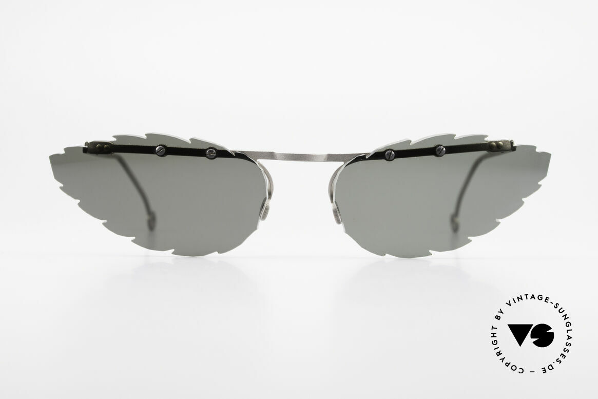 Theo Belgium Asis Lenses shaped like a leaf