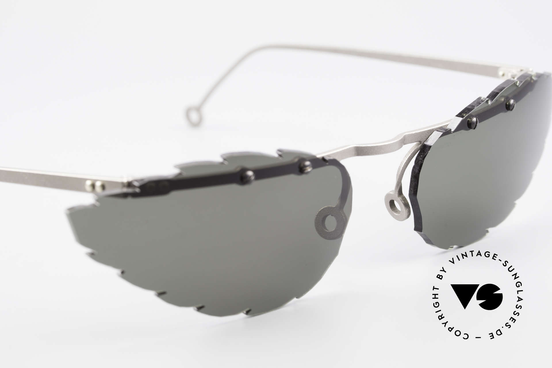 Theo Belgium Asis Lenses shaped like a leaf, never worn, one of a kind; Theo frame for all who dare!, Made for Men and Women