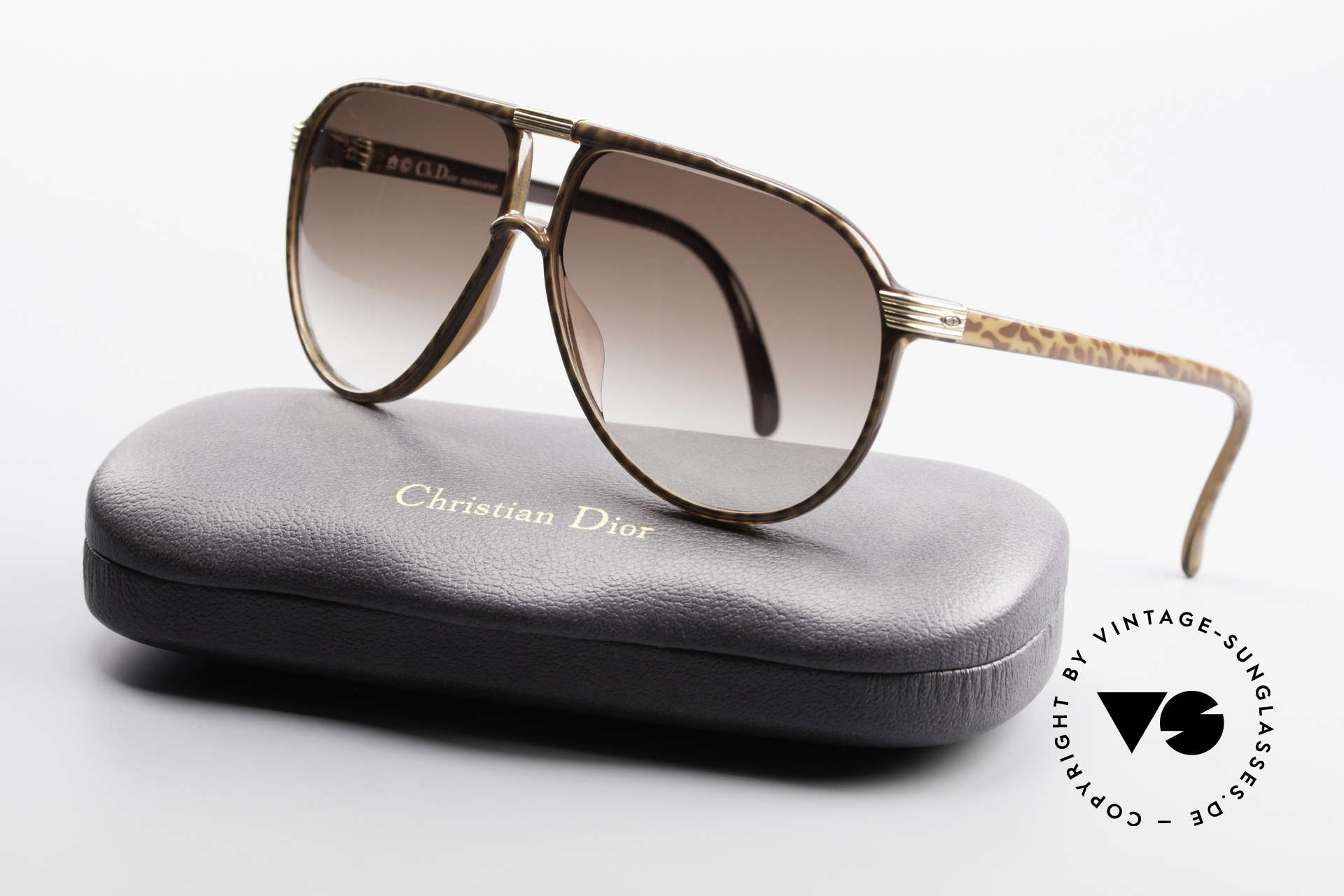 Christian Dior 2300 80's Aviator Sunglasses, SMALL size 58/10 with noble 'horn/brown' coloring, Made for Men
