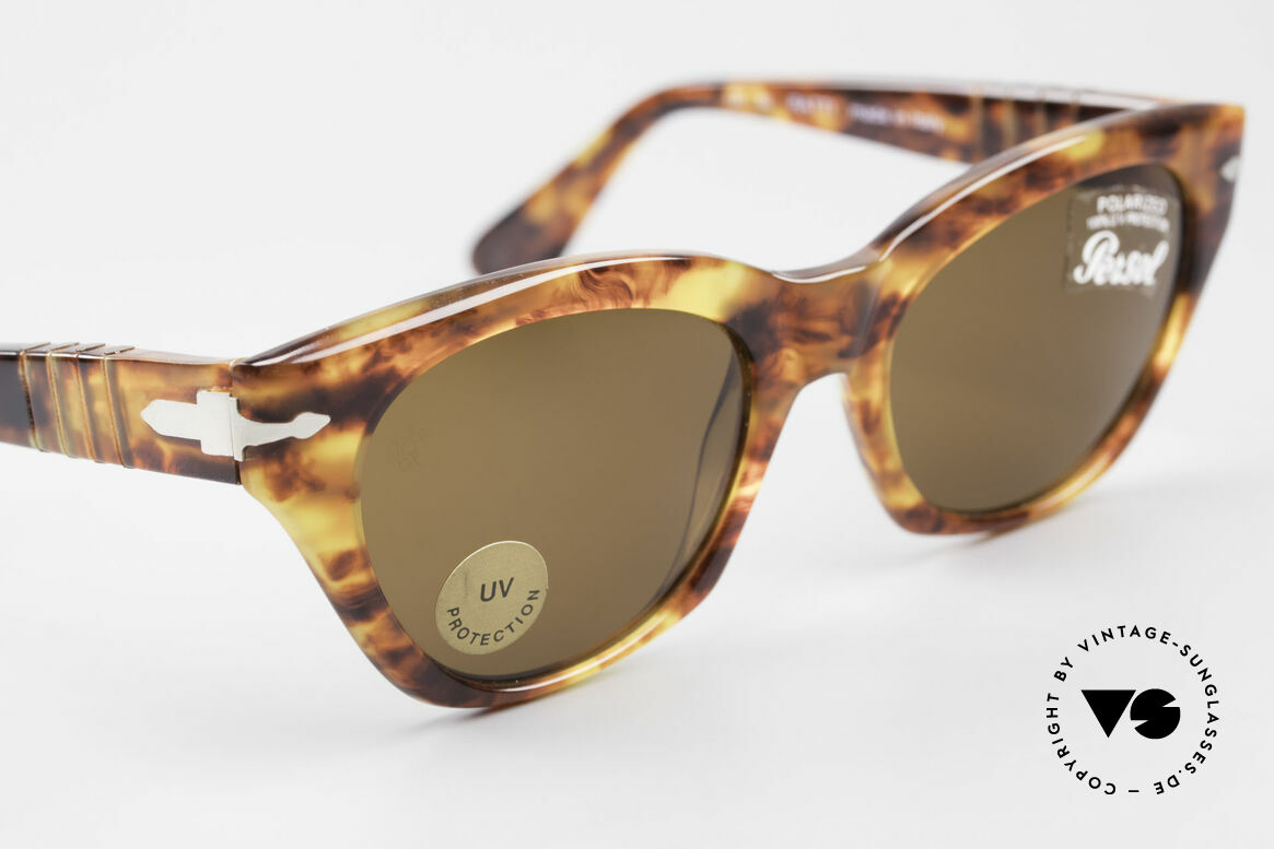 Persol 842 Ratti Classic Ladies Sunglasses, NO RETRO frame, but a 25 years old ORIGINAL, Made for Women