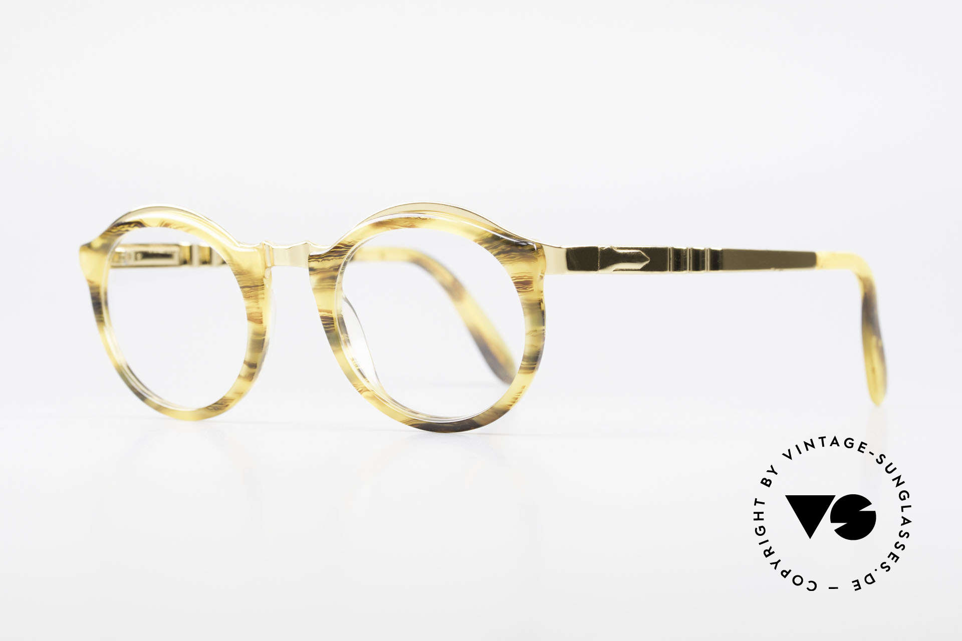 Persol Ivy Gold Plated Panto Glasses, a timeless piece with a terrific frame pattern, Made for Men and Women