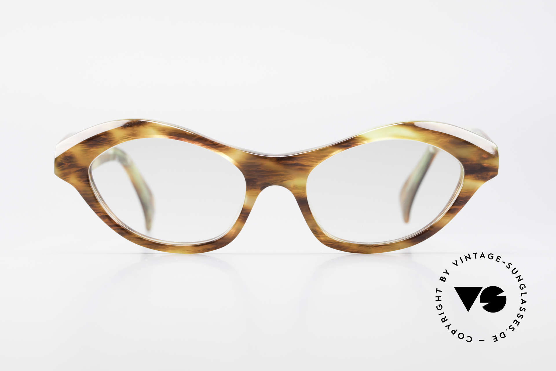Alain Mikli 2112 / 1036 80's Cateye Designer Shades, lovely combination of colors & frame pattern, Made for Women
