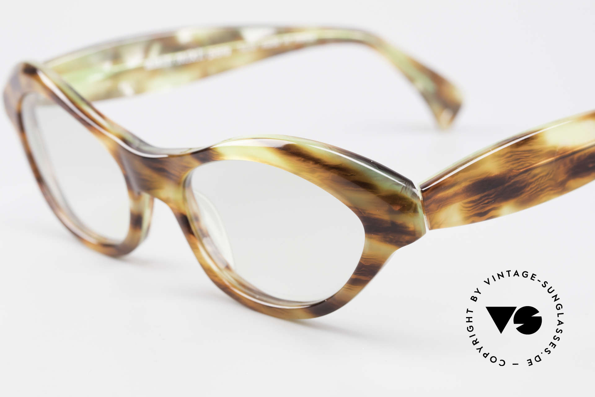 Alain Mikli 2112 / 1036 80's Cateye Designer Shades, excellent craftsmanship (handmade in France), Made for Women