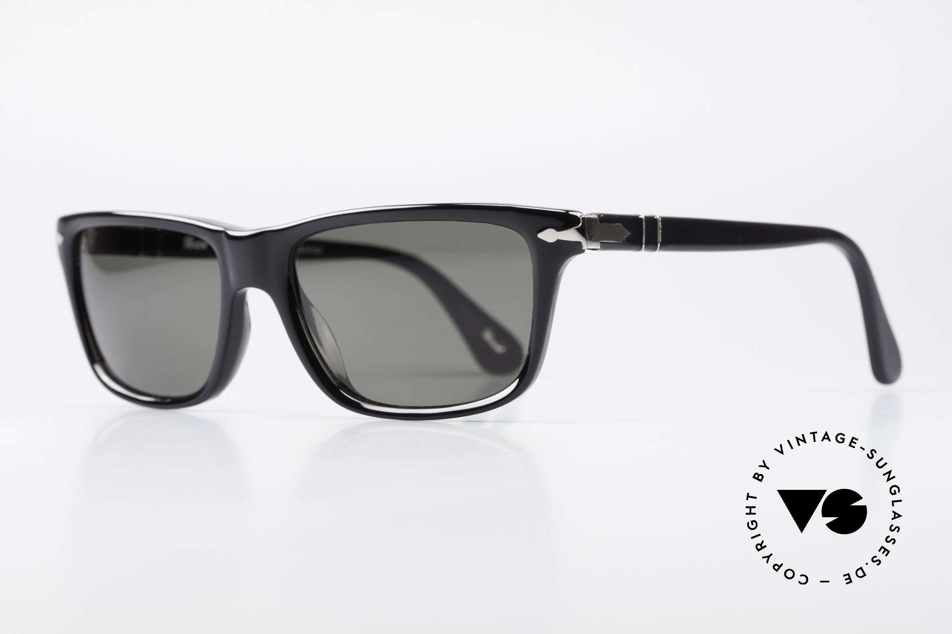 Persol 3026 Classic Sunglasses Polarized, polarized mineral lenses (100% UV protection), Made for Men and Women