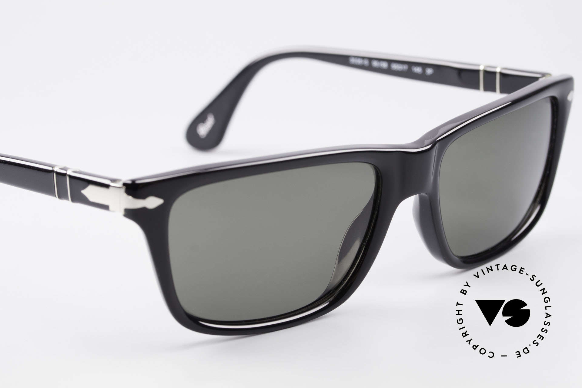 Persol 3026 Classic Sunglasses Polarized, reissue of the old vintage Persol RATTI models, Made for Men and Women
