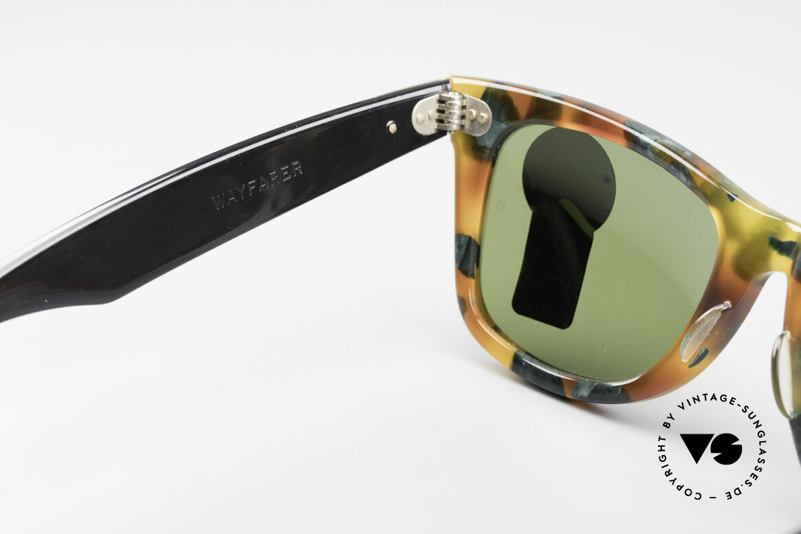 Ray Ban Wayfarer I Limited Deluxe Edition USA, never worn (like all our rare B&L vintage Wayfarers), Made for Men and Women