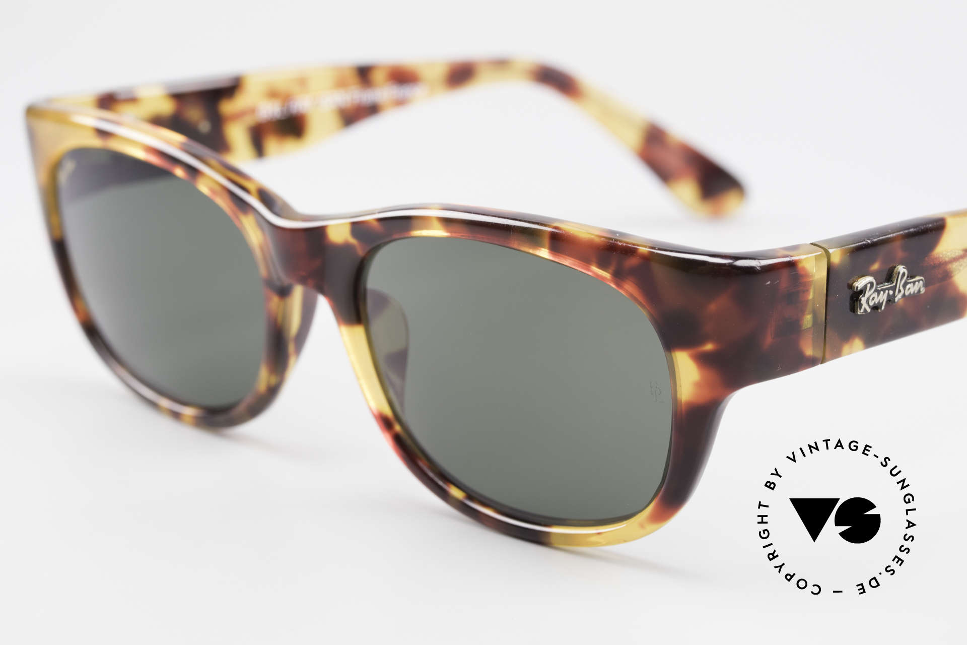 Ray Ban Bohemian Bausch & Lomb Sunglasses, unworn ( like all our vintage RAY-BAN shades), Made for Men and Women