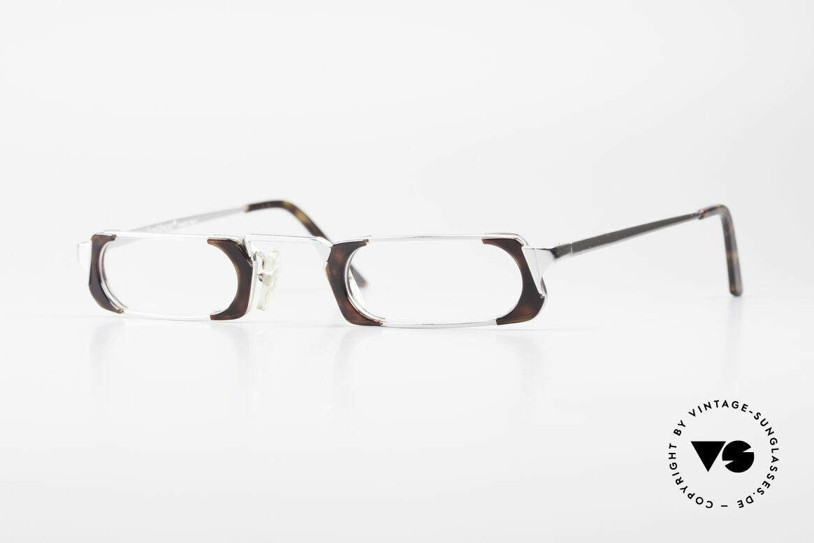 Gianni Versace 833 Striking Reading Eyeglasses, striking G. Versace reading eyeglasses from the 1980's, Made for Men and Women