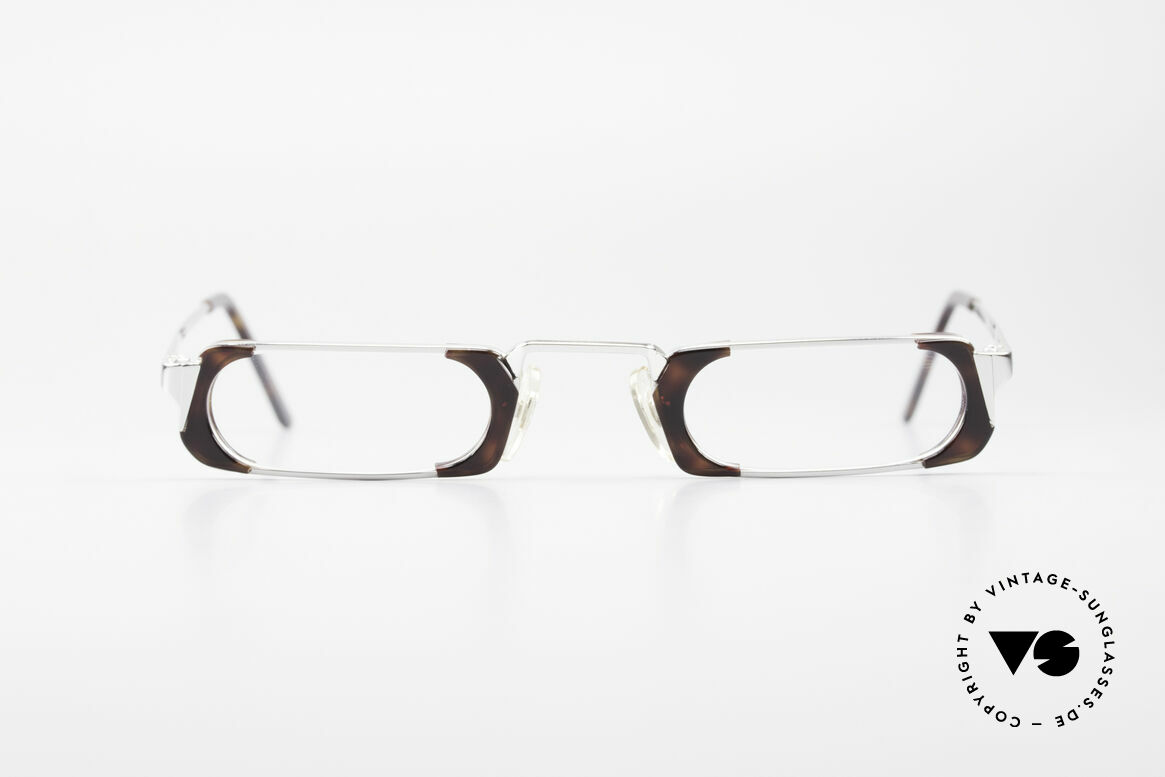 Gianni Versace 833 Striking Reading Eyeglasses, silver with noble design elements in root wood pattern, Made for Men and Women