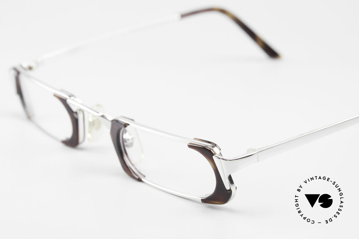 Gianni Versace 833 Striking Reading Eyeglasses, 132mm frame width = rather a SMALL / NARROW size!, Made for Men and Women