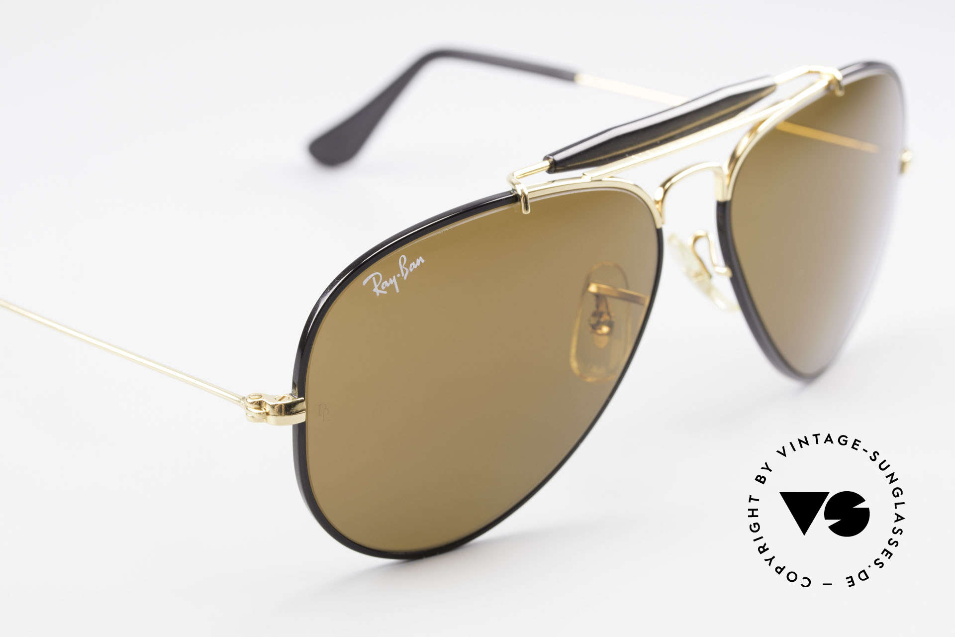 Ray Ban Outdoorsman Precious Metals Ray-Ban USA, NO retro frame; an old original with serial number, Made for Men and Women