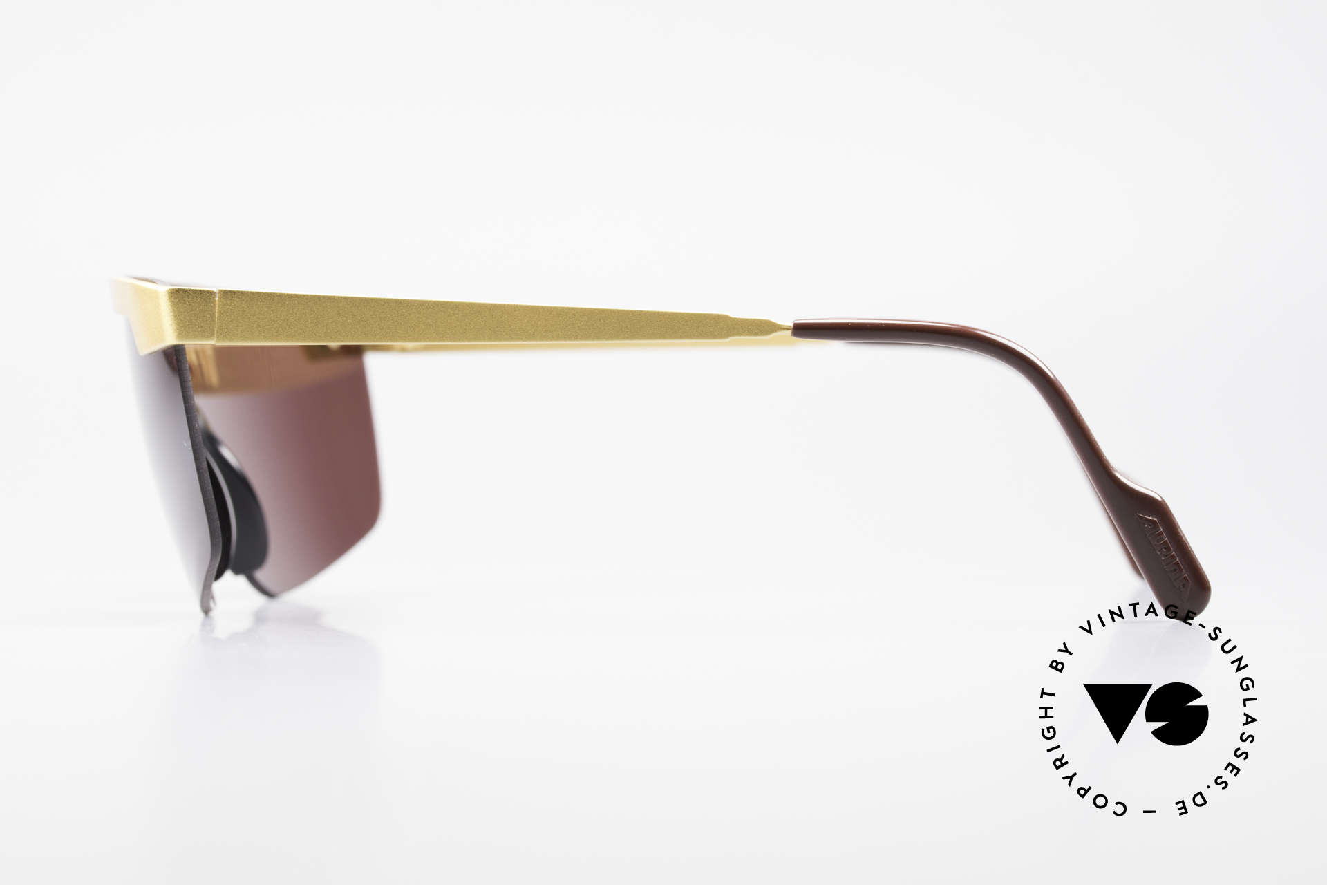 Alpina M57 Vintage Shades Panorama View, unworn (like all our vintage Alpina sunglasses), Made for Men and Women