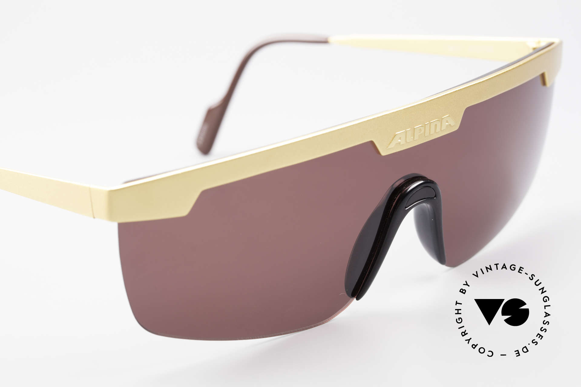"Alpina M57 Vintage Shades Panorama View, orig. model name: Alpina Design ""M57"" 2225700, Made for Men and Women"