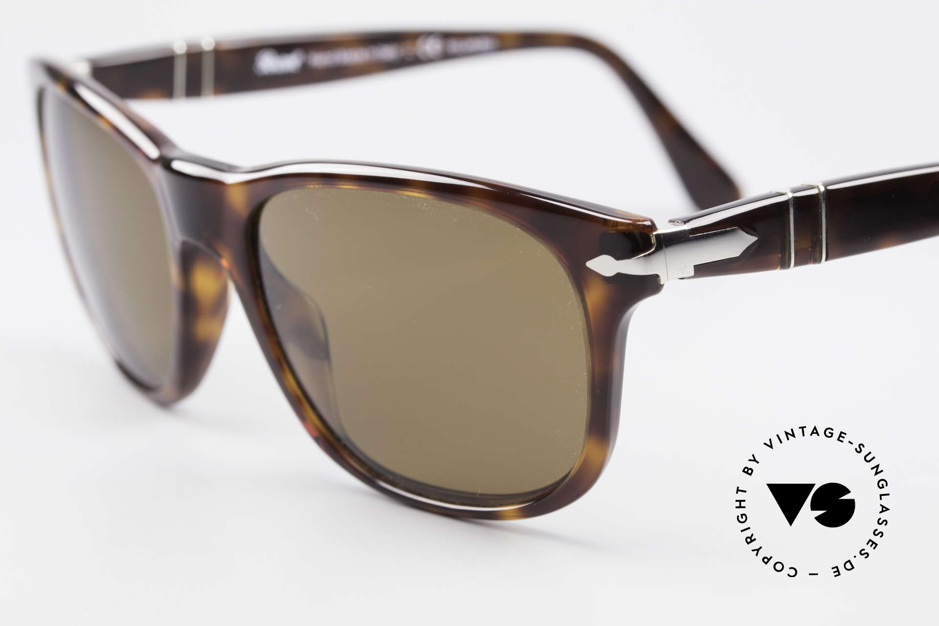 Persol 2989 Polarized Sunglasses Vintage, unworn (like all our vintage PERSOL glasses), Made for Men and Women