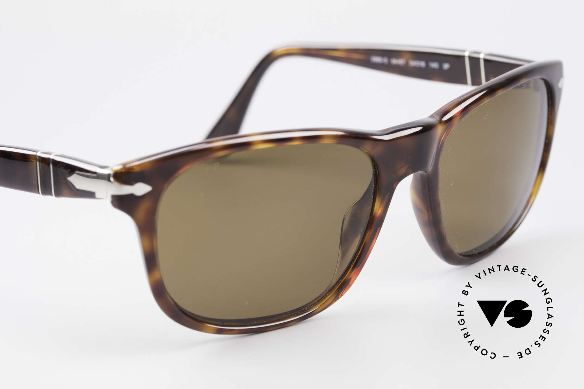 Persol 2989 Polarized Sunglasses Vintage, NO RETRO frame, but a 20 years old ORIGINAL, Made for Men and Women