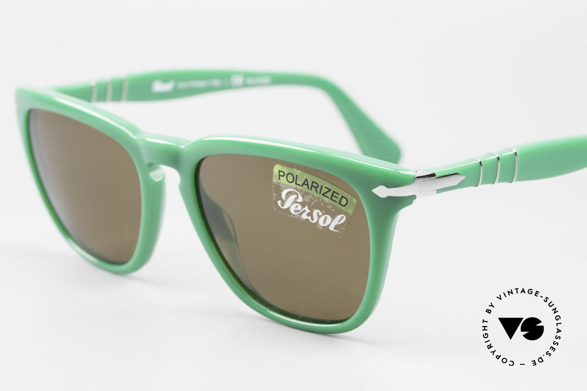 Persol 3024 Classic Sunglasses Polarized, unworn (like all our classic PERSOL sunglasses), Made for Men and Women