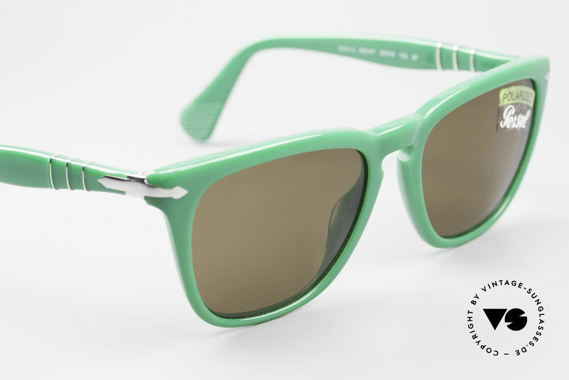 Persol 3024 Classic Sunglasses Polarized, reissue of the old vintage Persol RATTI models, Made for Men and Women
