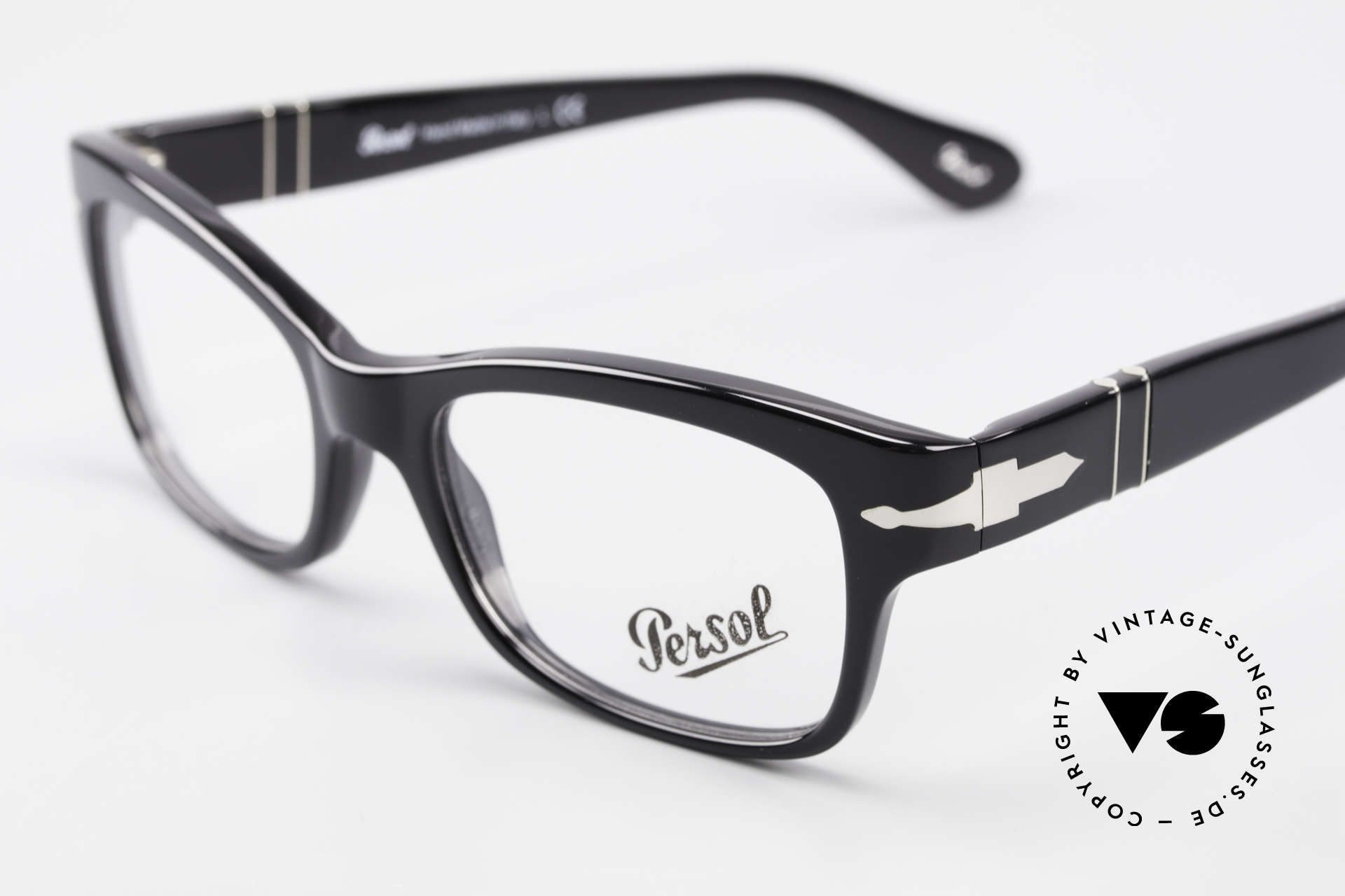 Persol 3054 Vintage Glasses Classic Frame, reissue of the old vintage Persol RATTI models, Made for Men and Women