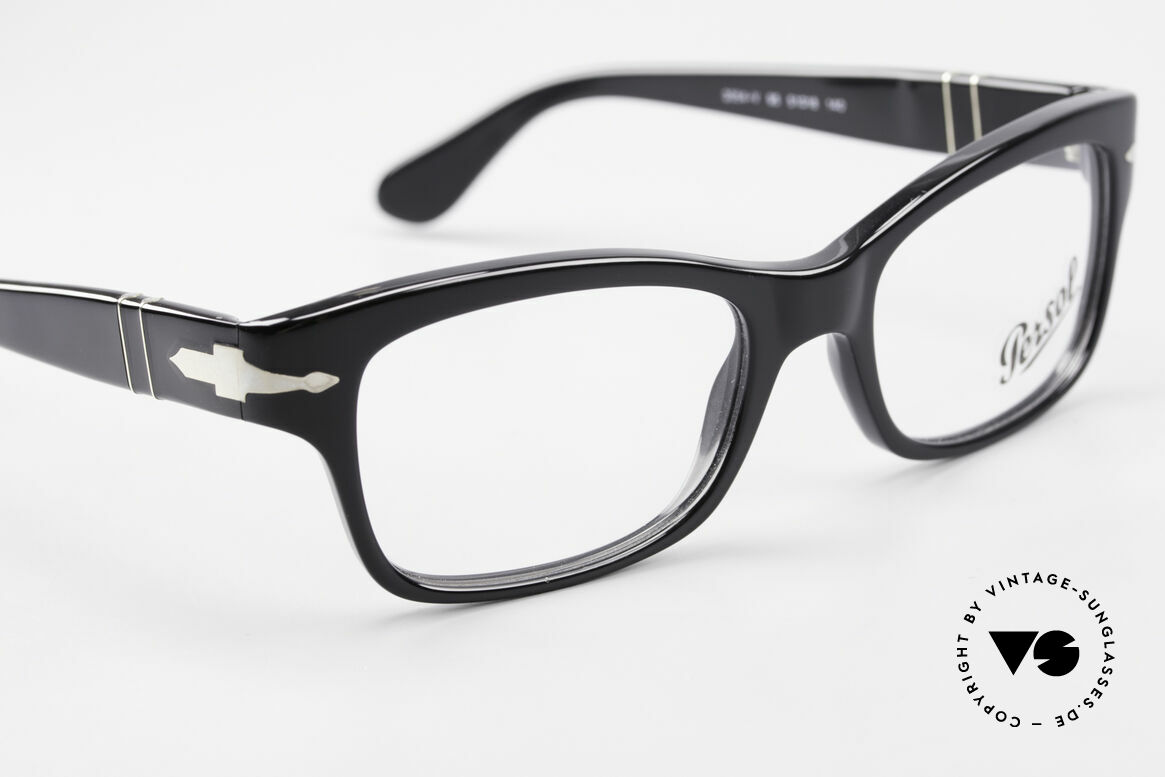 Persol 3054 Vintage Glasses Classic Frame, DEMOS can be replaced with lenses of any kind, Made for Men and Women