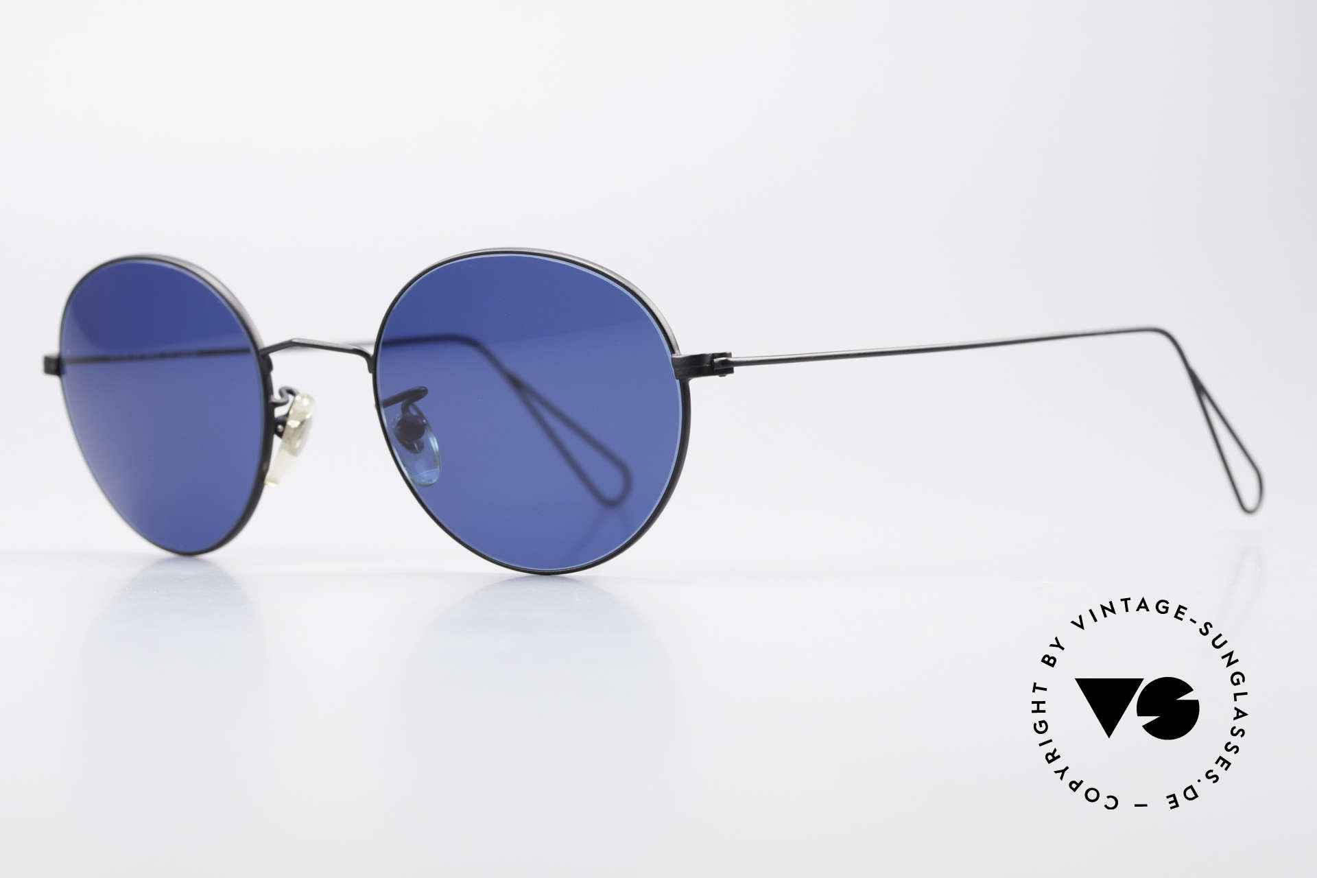 Cutler And Gross 0306 Round Vintage 90's Sunglasses, stylish & distinctive in absence of an ostentatious logo, Made for Men and Women