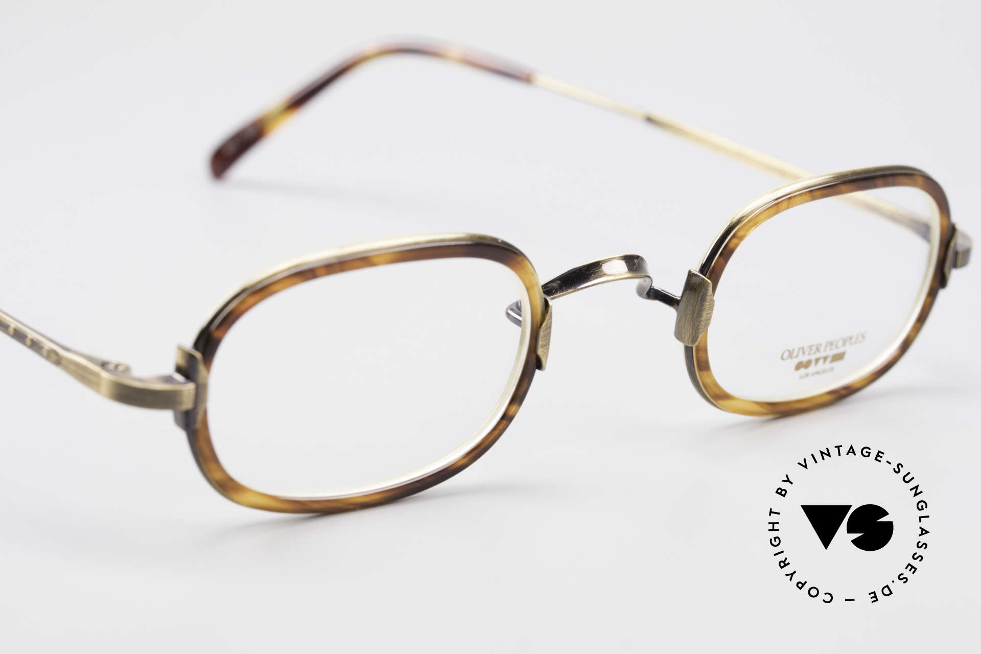 Oliver Peoples Fred Vintage Designer Frame Oval, NO RETRO fashion, but a unique 20 years old Original!, Made for Men and Women