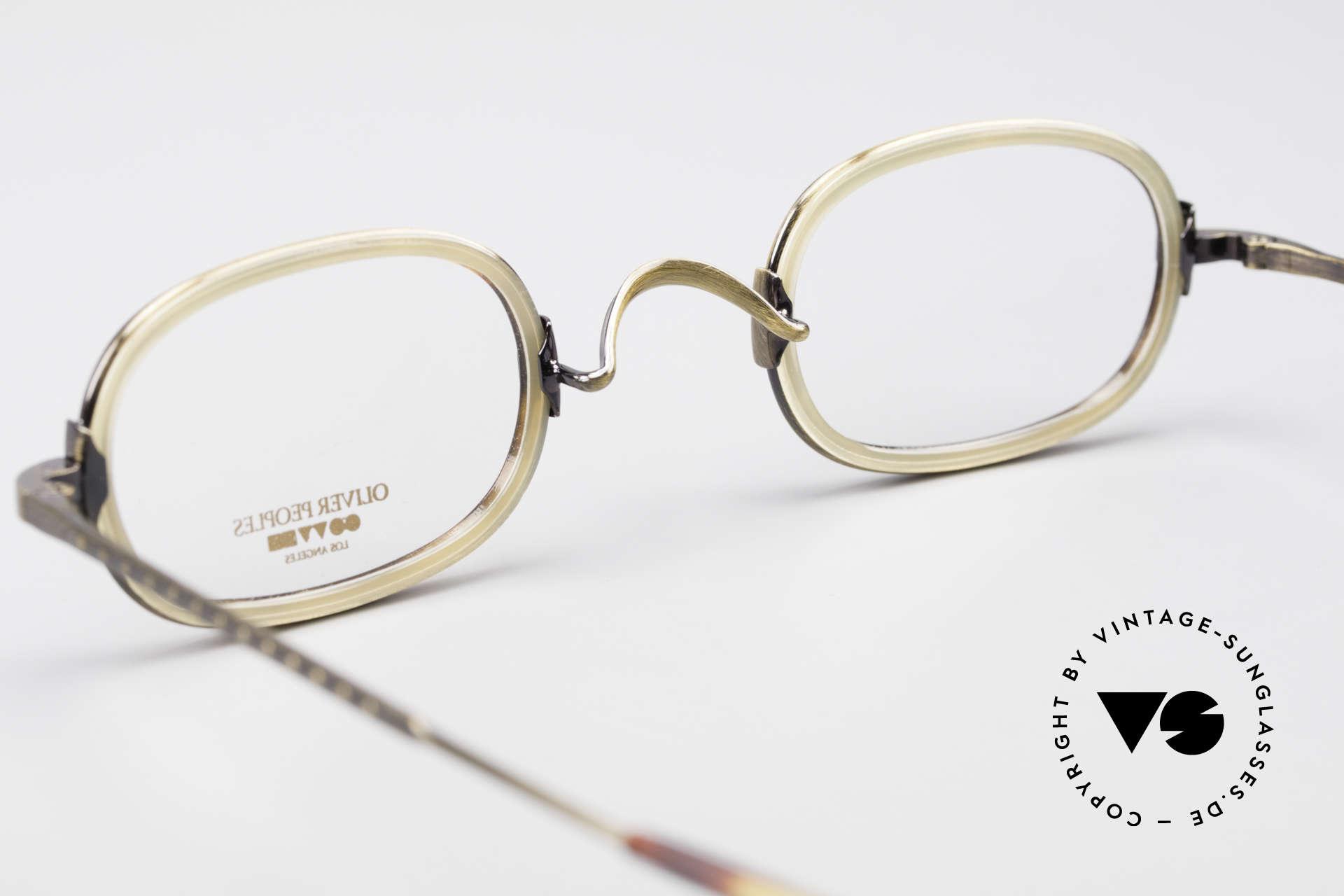 "Oliver Peoples Fred Vintage Designer Frame Oval, Oliver Peoples LA = ""distinctive specs with personality"", Made for Men and Women"