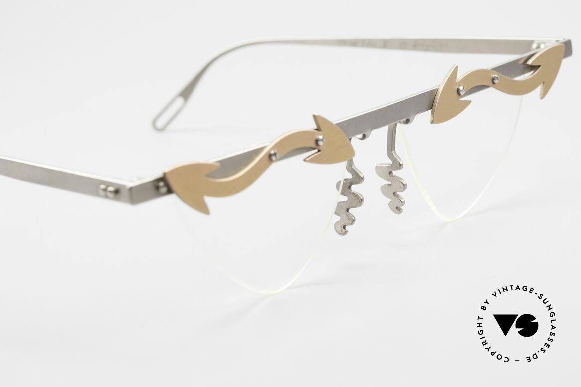 Theo Belgium Tita II Heart Shaped Eyeglasses Titan, an old, unworn THEO original and NO RETRO EYEWEAR, Made for Women