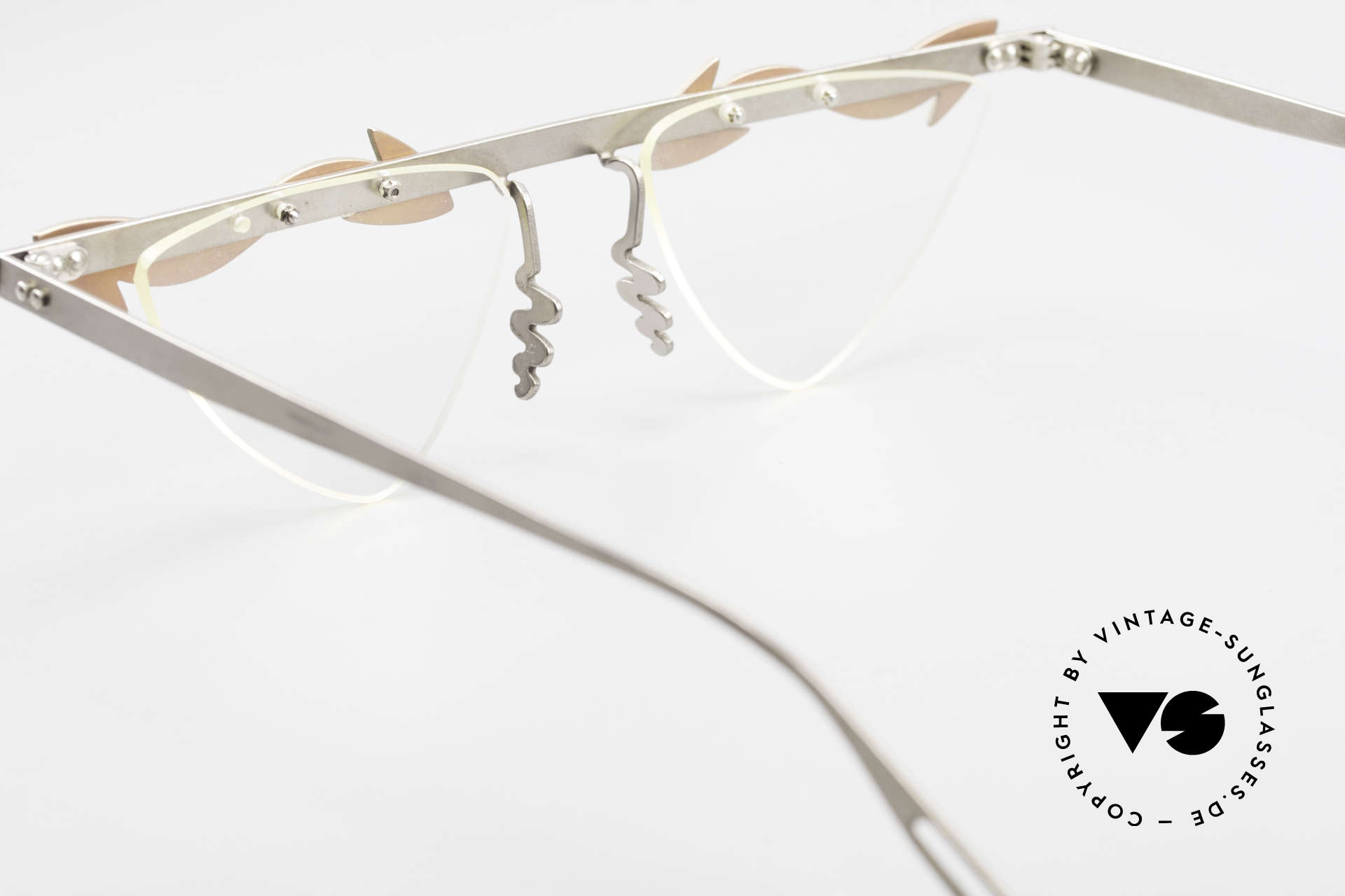 Theo Belgium Tita II Heart Shaped Eyeglasses Titan, Size: extra large, Made for Women