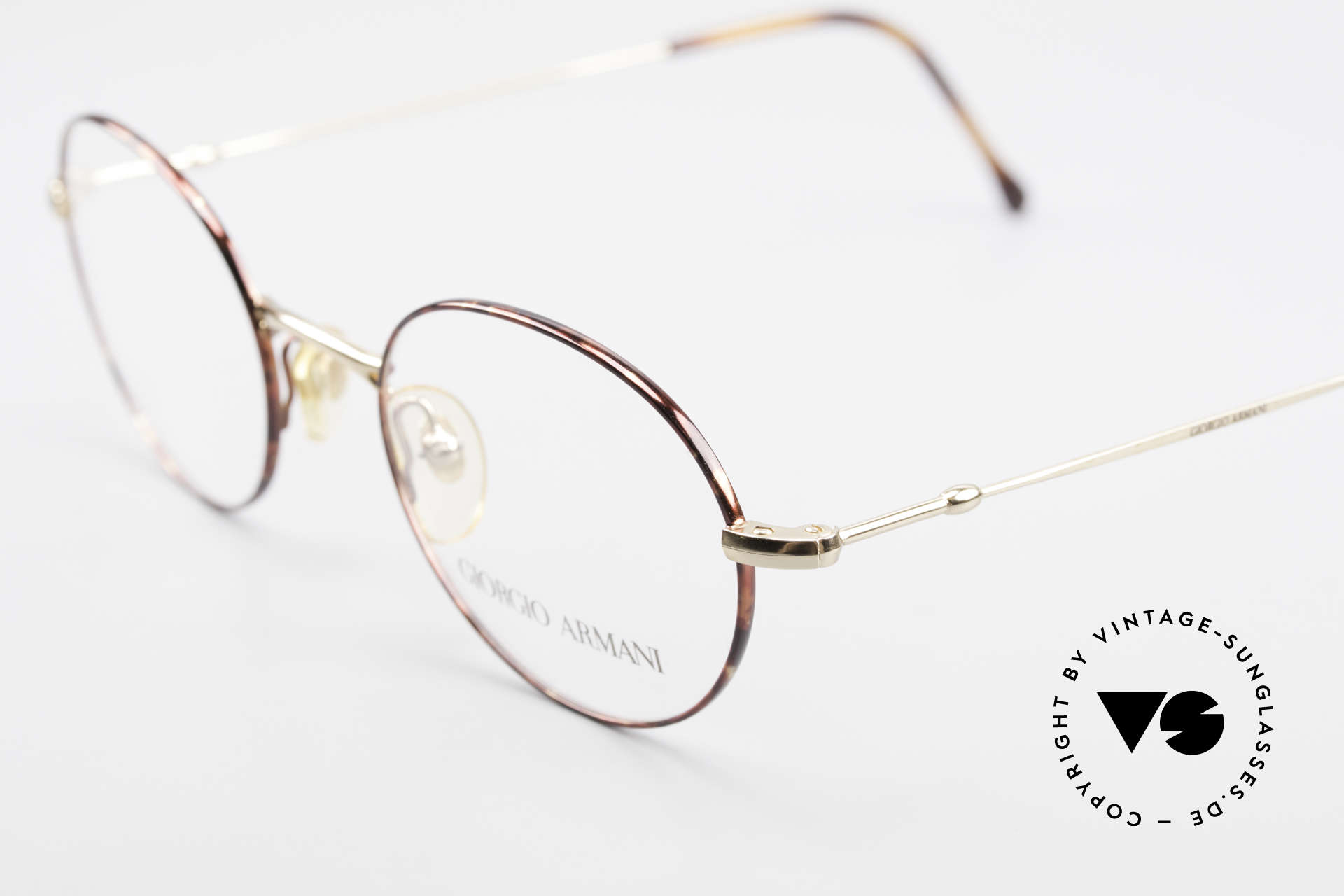 Giorgio Armani 252 Oval Vintage Eyeglasses 90's, never worn (like all our 1990's designer classics), Made for Men and Women