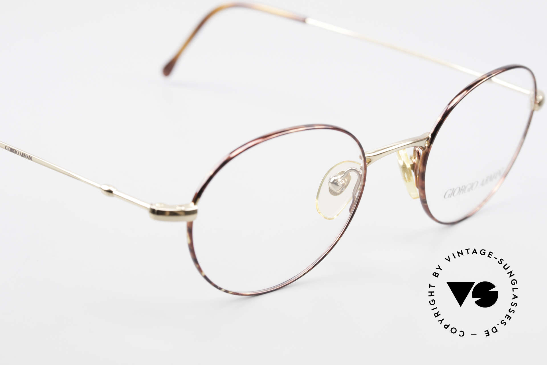Giorgio Armani 252 Oval Vintage Eyeglasses 90's, NO RETRO EYEWEAR, but a 25 years old Original, Made for Men and Women