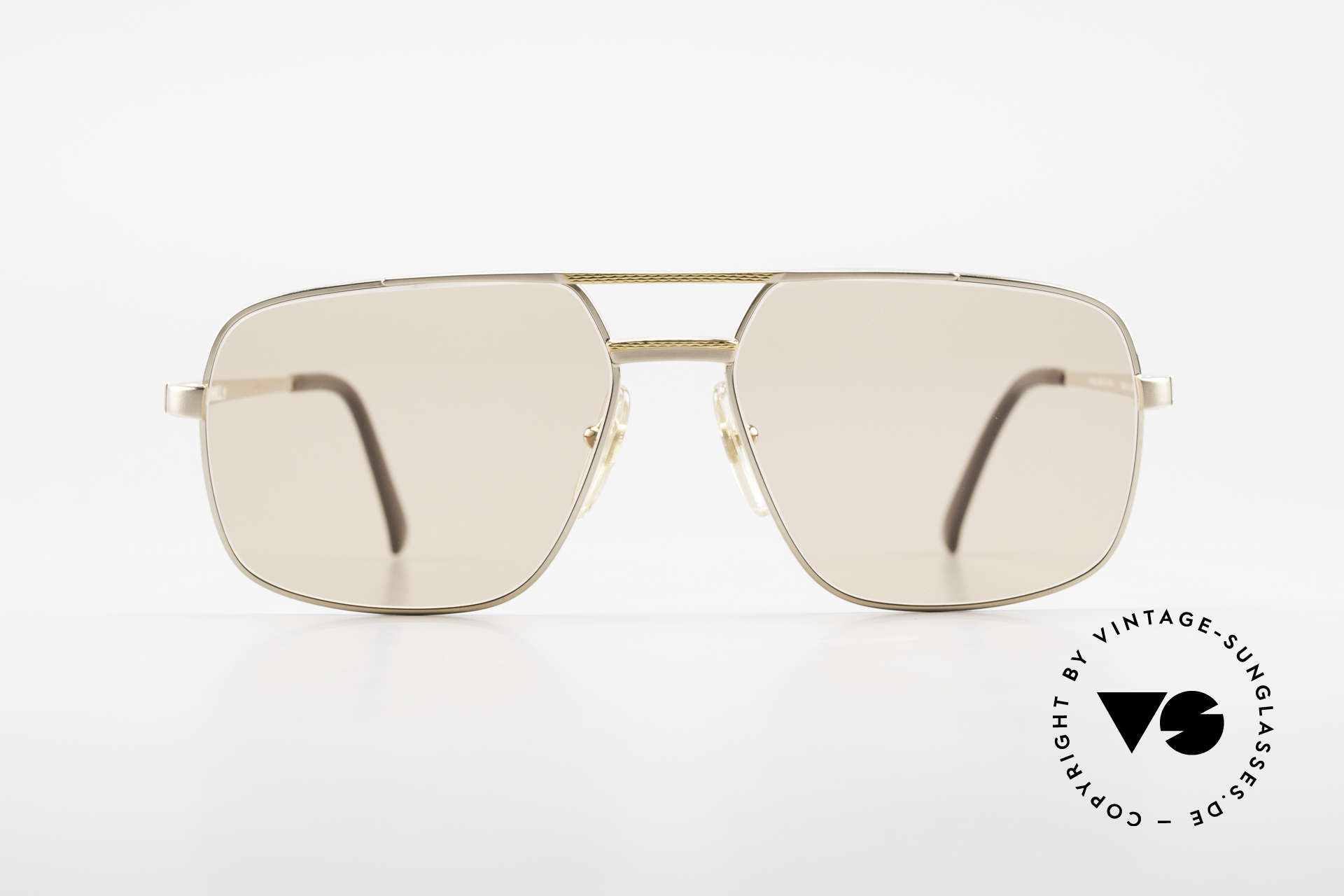 Dunhill 6068 Gold Plated Frame Changeable, this is the indisputable spearhead of sunglasses' quality, Made for Men