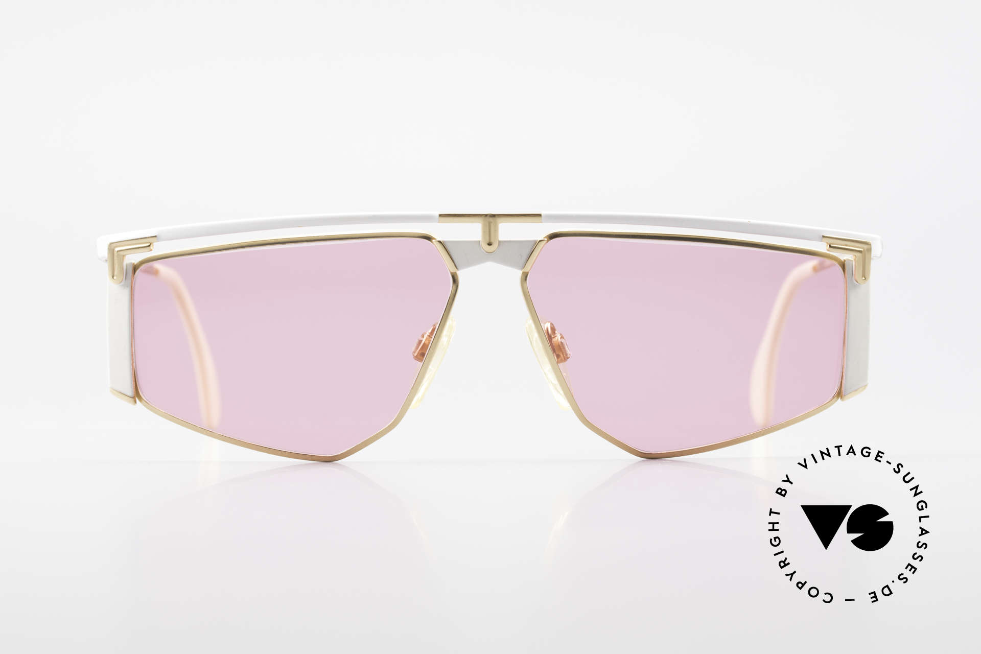 Cazal 235 Vintage Cazal Titanium Frame, 1. class wearing comfort thanks to lightweight material, Made for Men and Women