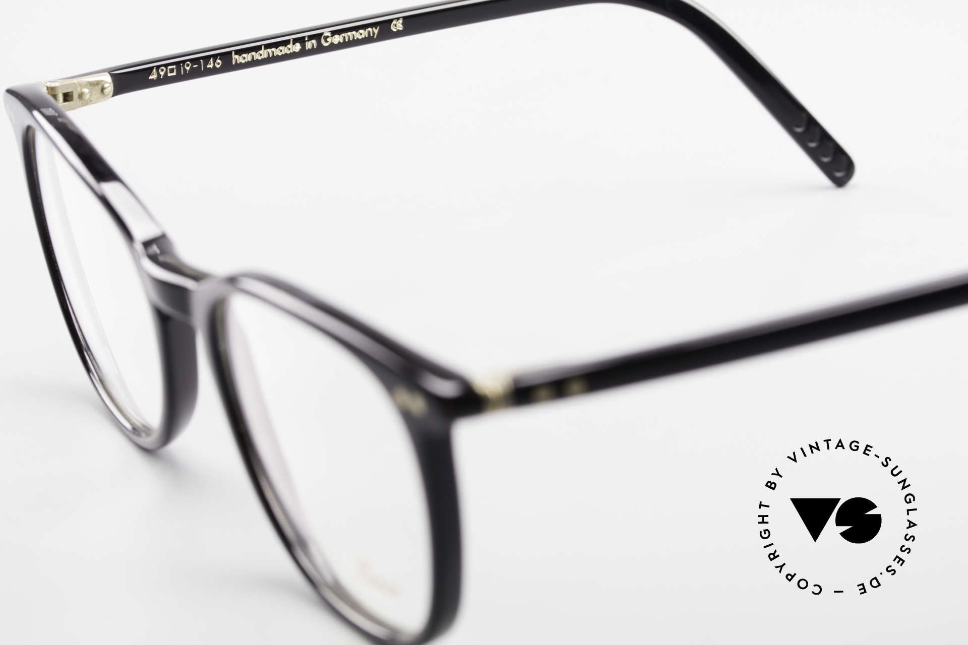 Lunor A5 234 Classic Timeless Eyeglasses, the demo lenses can be replaced with optical (sun) lenses, Made for Men and Women