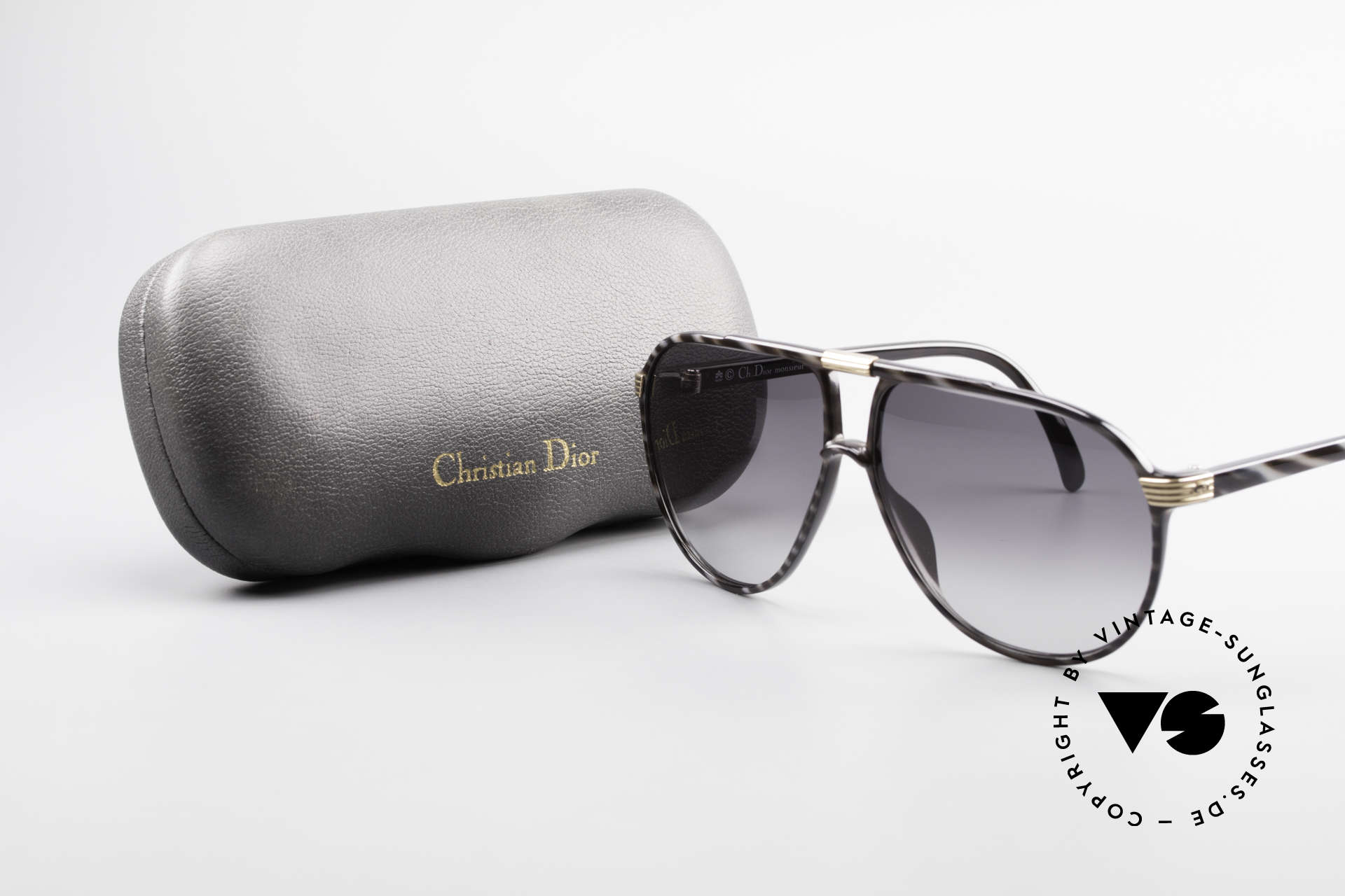 Christian Dior 2300 Optyl Monsieur Sunglasses, frame in size 60/11 with noble 'horn/black' coloring, Made for Men