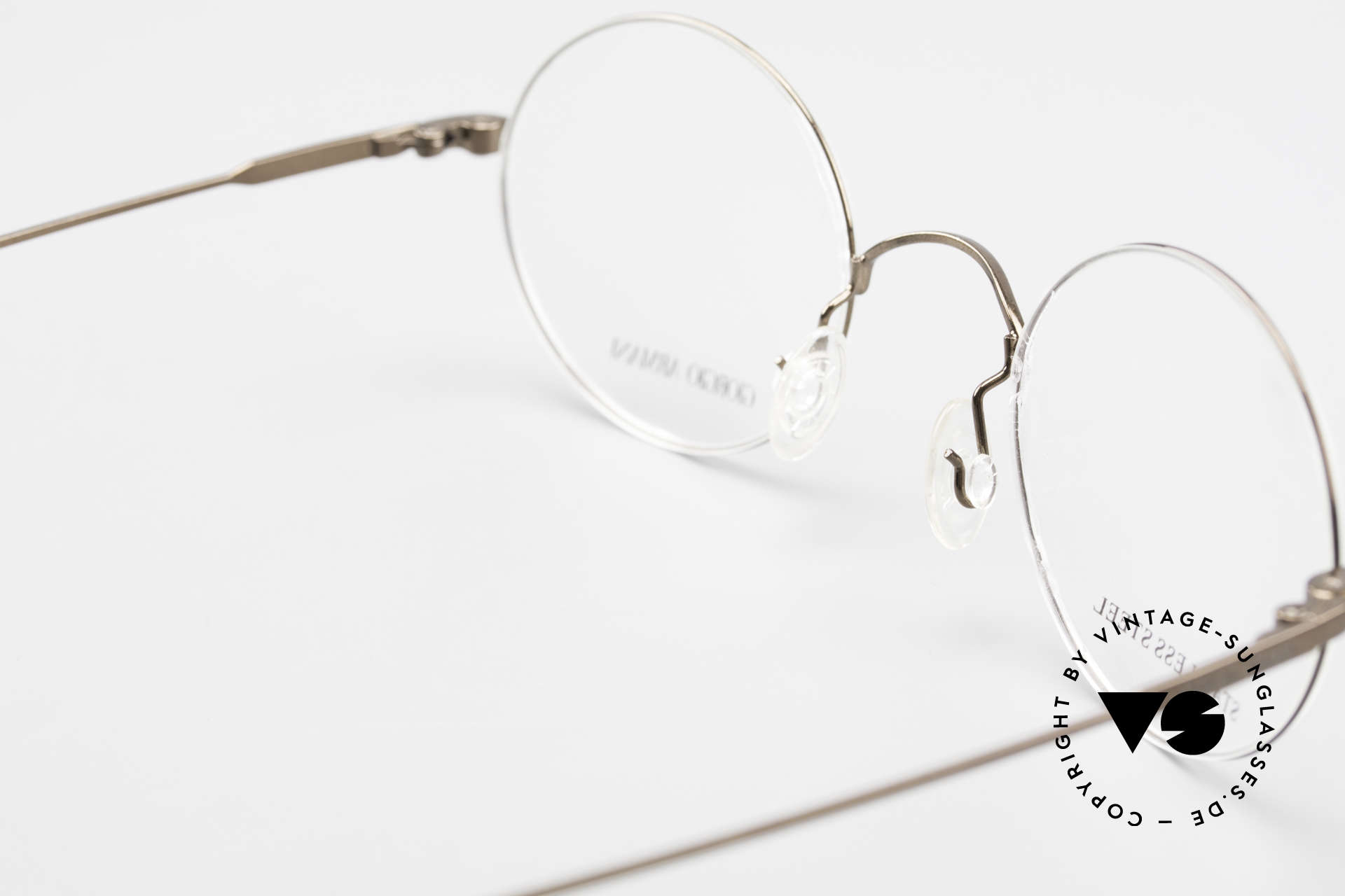 Giorgio Armani 348 Round Vintage 90's Eyeglasses, the frame fits lenses of any kind (optical or sun lenses), Made for Men and Women
