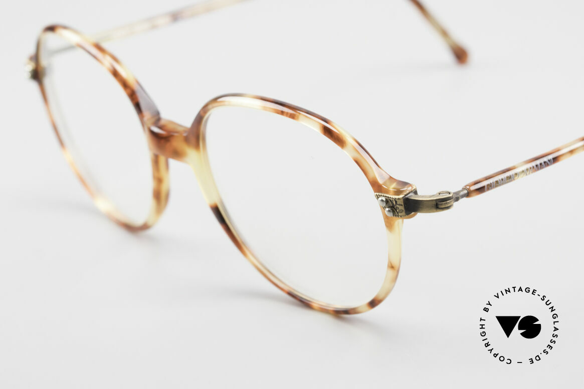 Giorgio Armani 334 Vintage Round Eyeglass-Frame, a brilliant combination of quality, design and comfort, Made for Men and Women